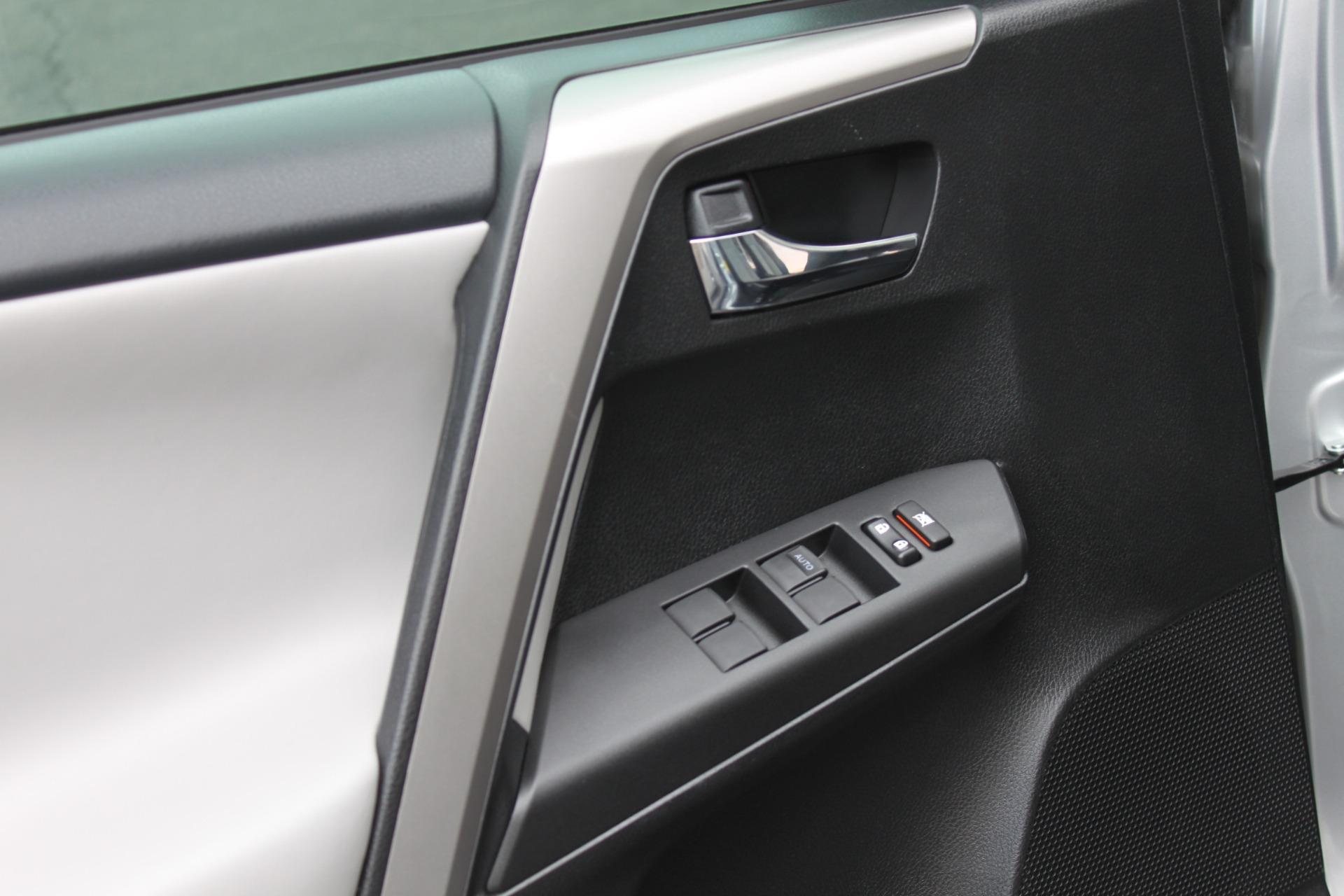 Used-2016-Toyota-RAV4-XLE-Honda