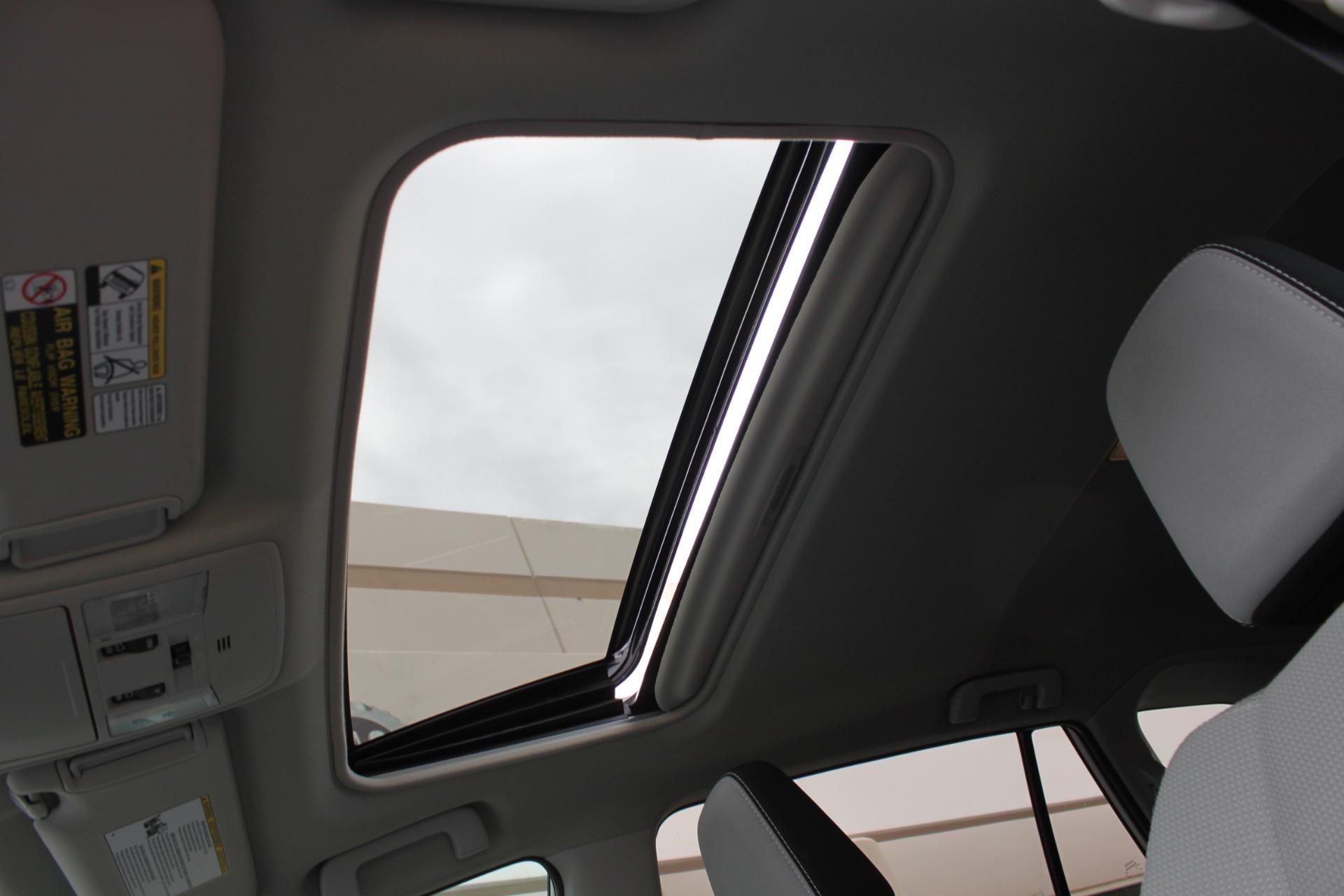 Used-2016-Toyota-RAV4-XLE-Wagoneer