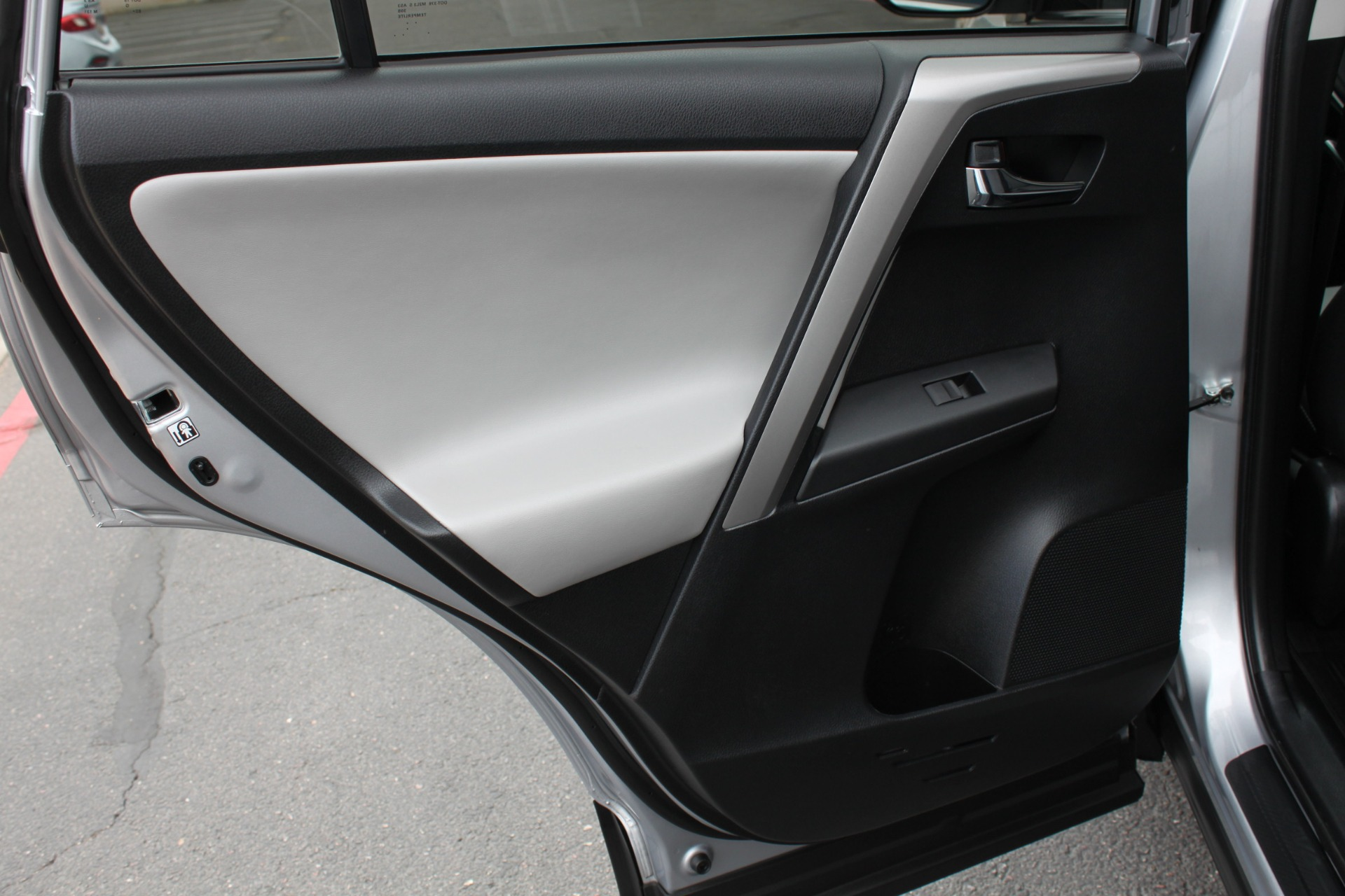 Used-2016-Toyota-RAV4-XLE-BMW