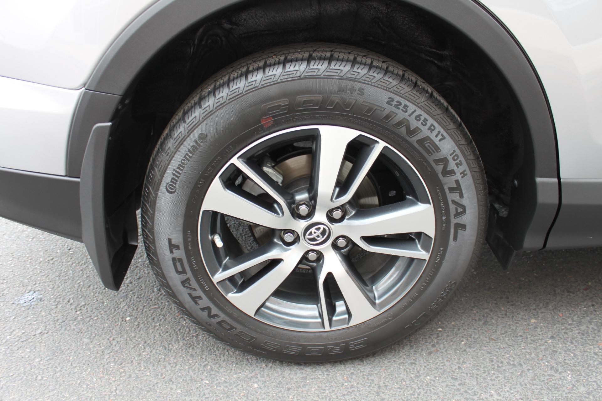 Used-2016-Toyota-RAV4-XLE-Chalenger