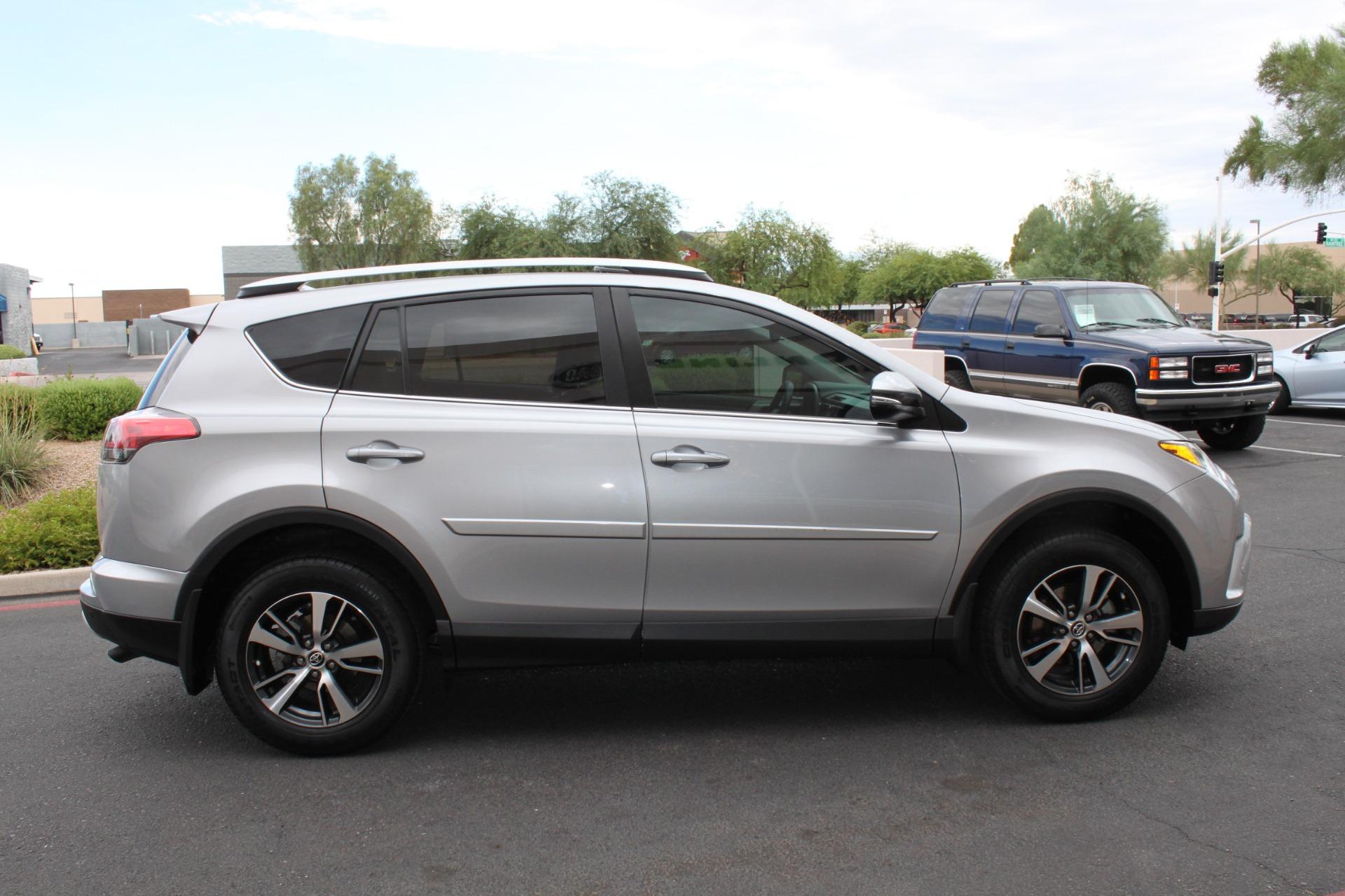 Used-2016-Toyota-RAV4-XLE-Chrysler