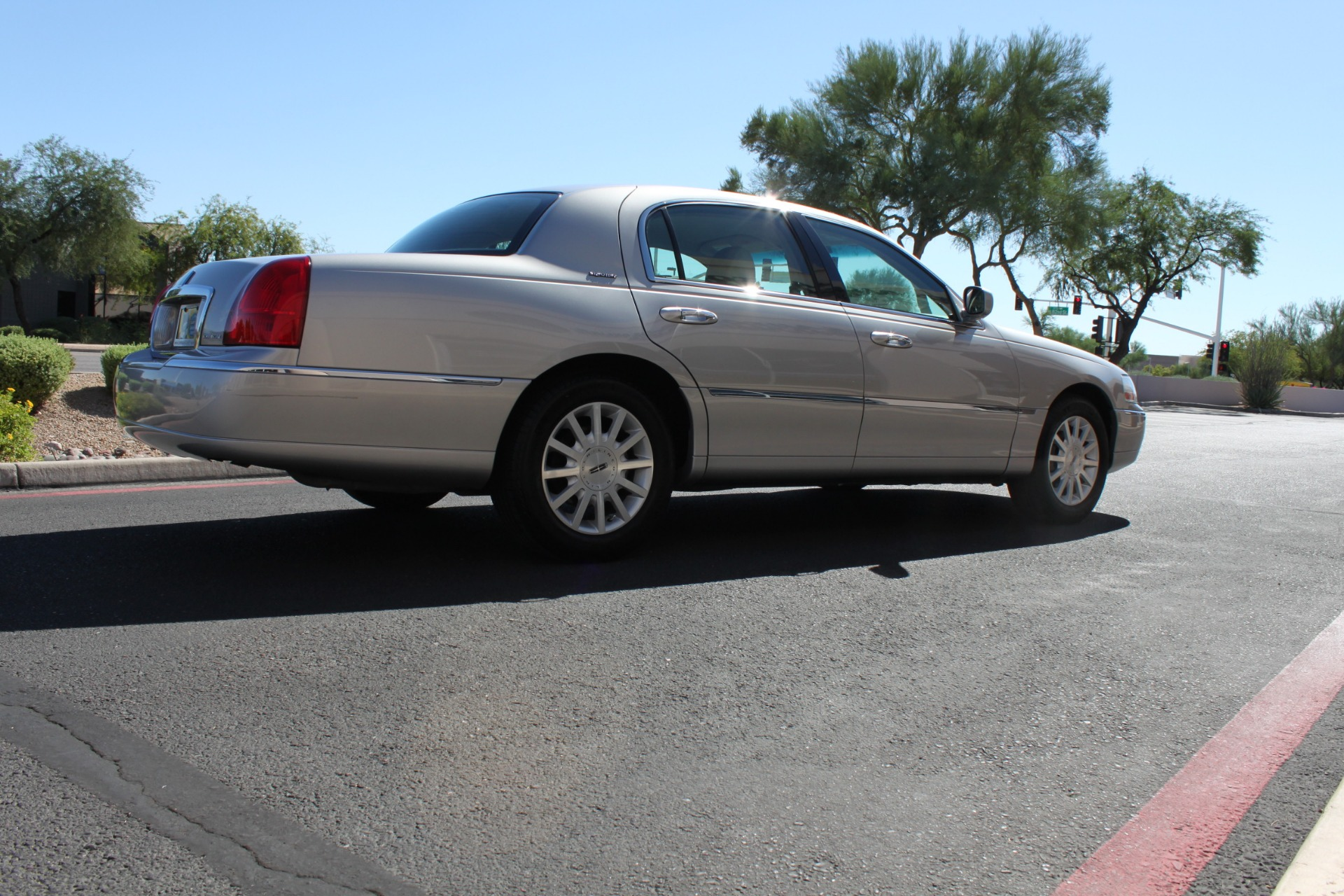 Used-2006-Lincoln-Town-Car-Signature-Toyota