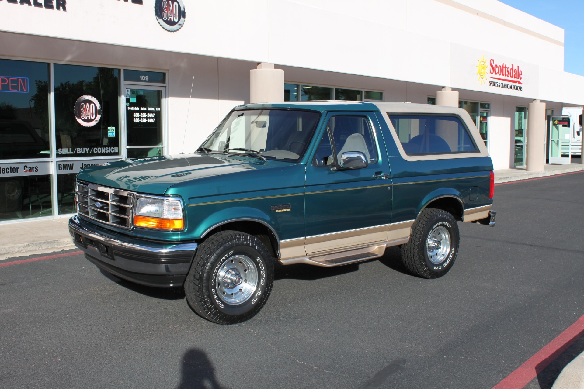 Used-1996-Ford-Bronco-Eddie-Bauer-4X4-Chalenger