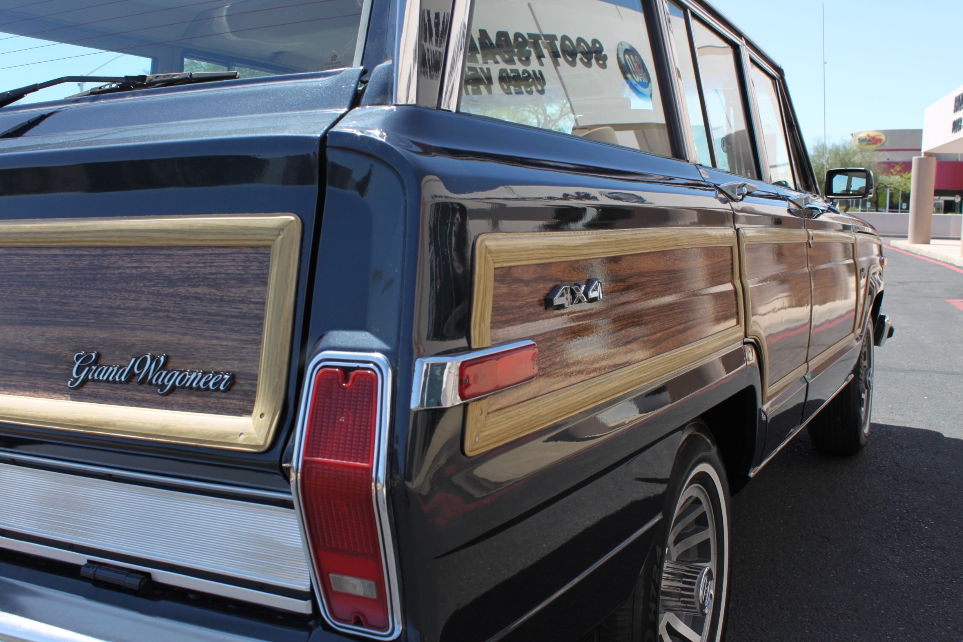 Used-1991-Jeep-Grand-Wagoneer-4X4-Chevrolet