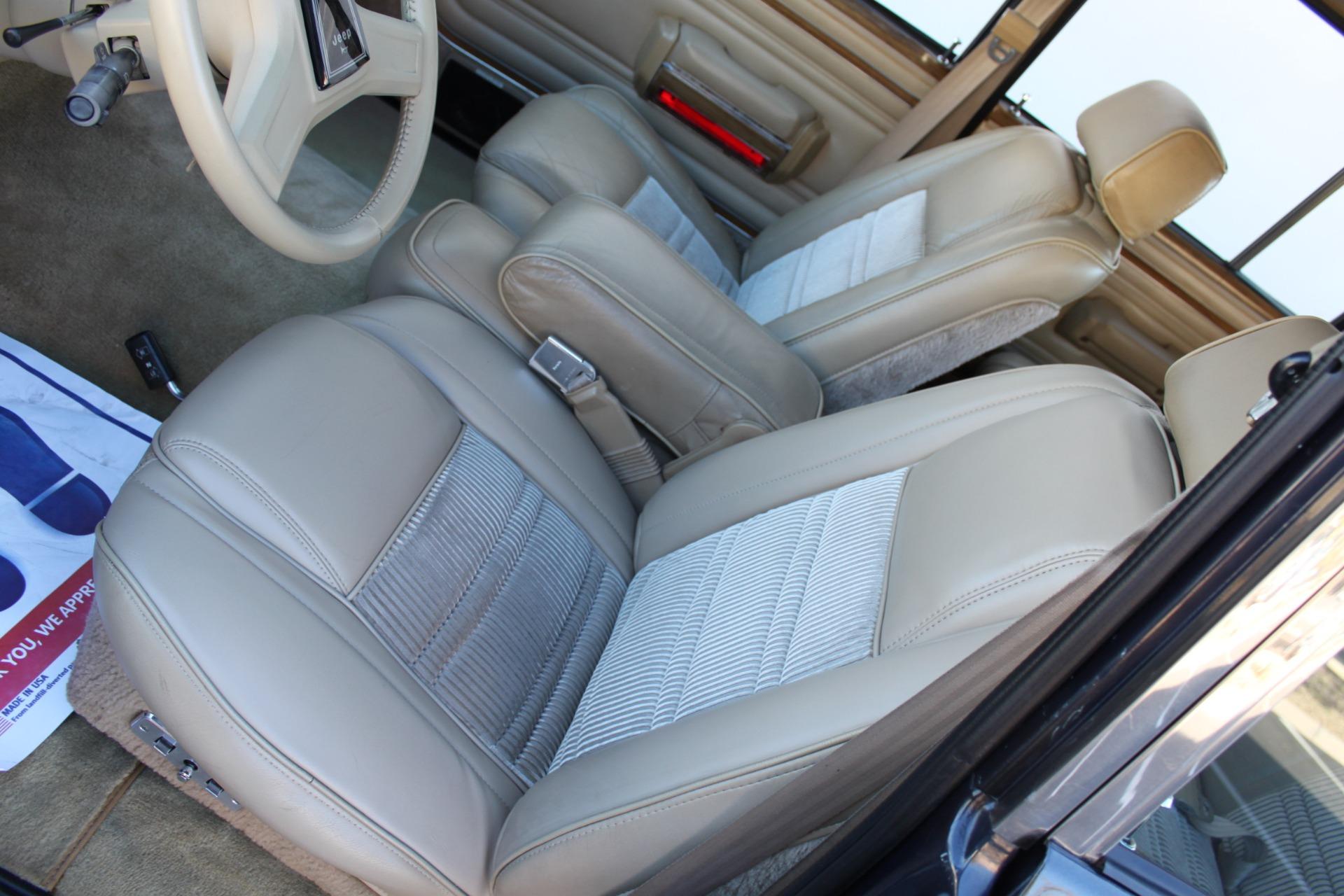 Used-1991-Jeep-Grand-Wagoneer-4X4-vintage