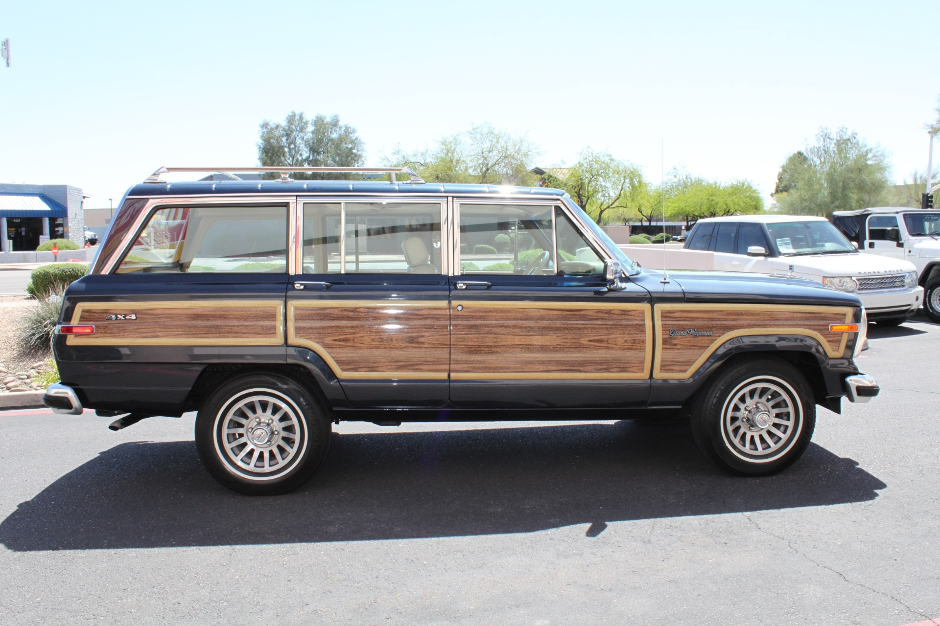 Used-1991-Jeep-Grand-Wagoneer-4X4-Chrysler