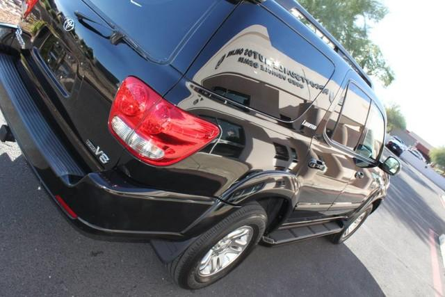 Used-2007-Toyota-Sequoia-Limited-4X4