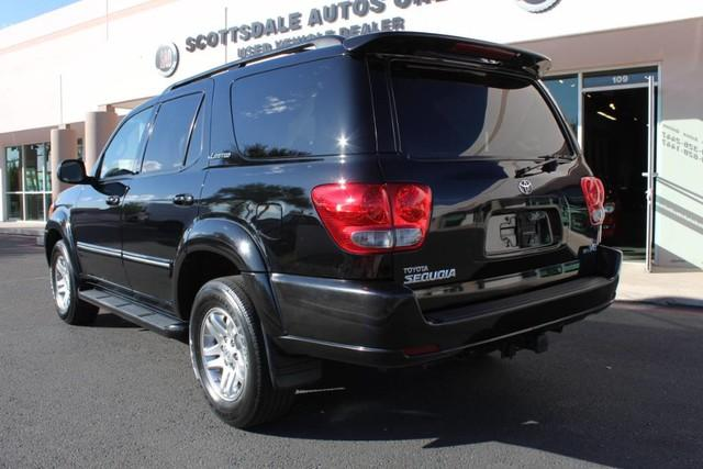 Used-2007-Toyota-Sequoia-Limited-Grand-Wagoneer