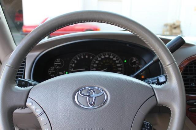 Used-2007-Toyota-Sequoia-Limited-vintage