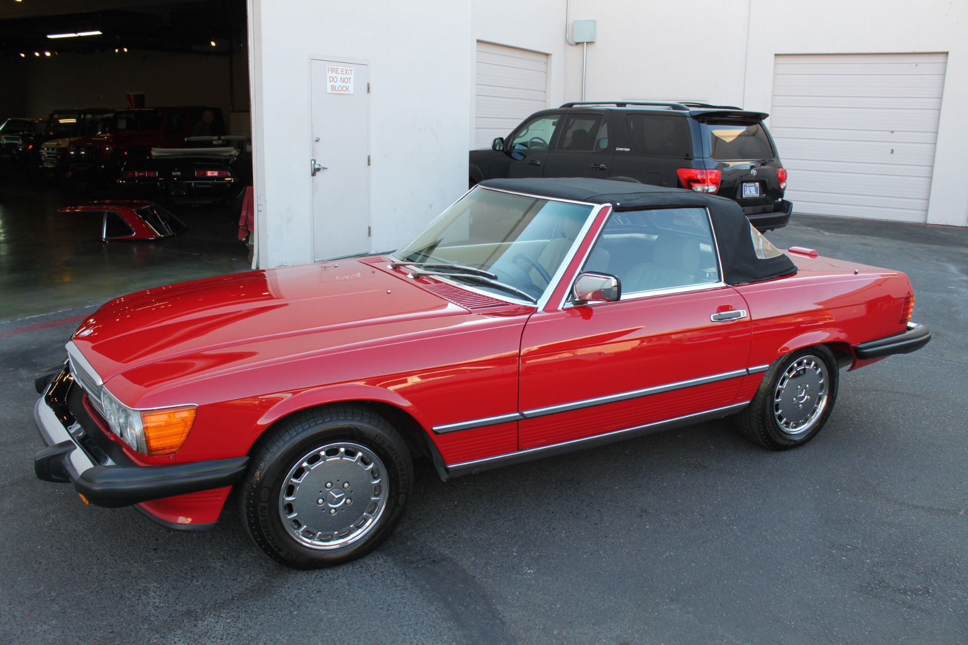 Used-1989-Mercedes-Benz-560-Series-560SL-Jaguar