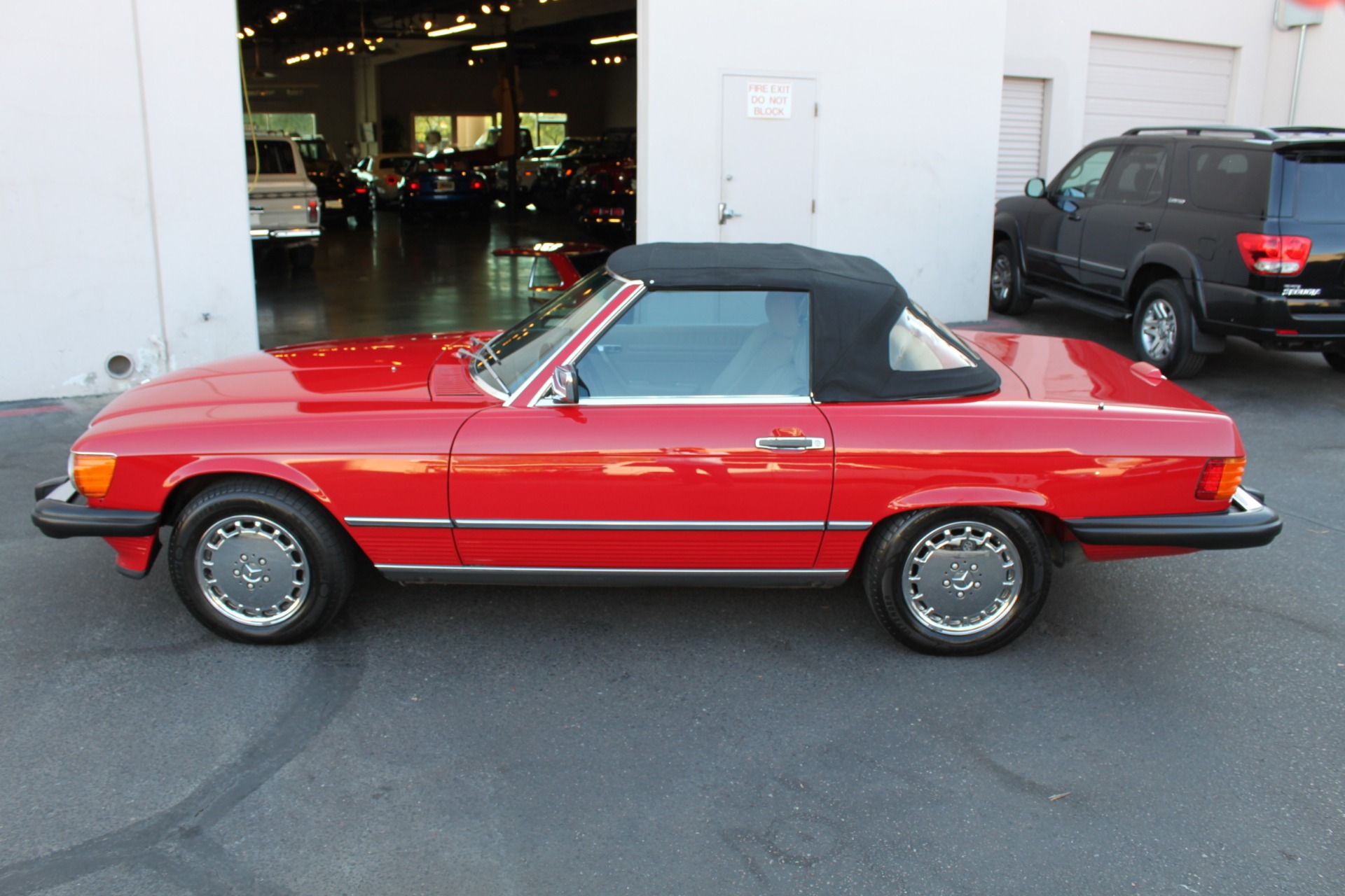 Used-1989-Mercedes-Benz-560-Series-560SL-XJ