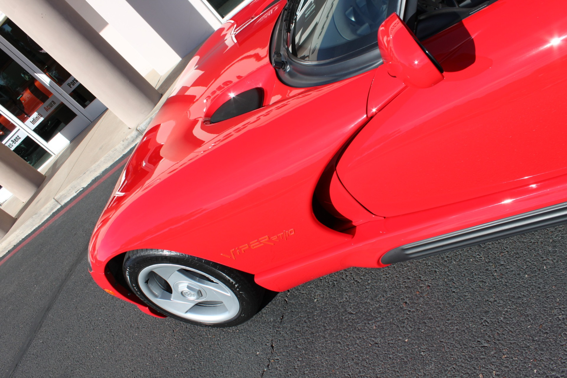 Used-1993-Dodge-Viper-Sports-Car-Camaro