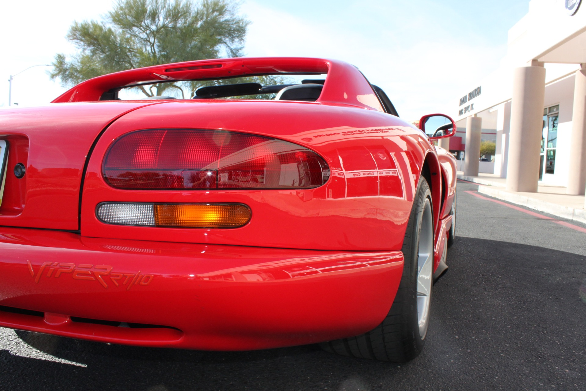 Used-1993-Dodge-Viper-Sports-Car-Chalenger