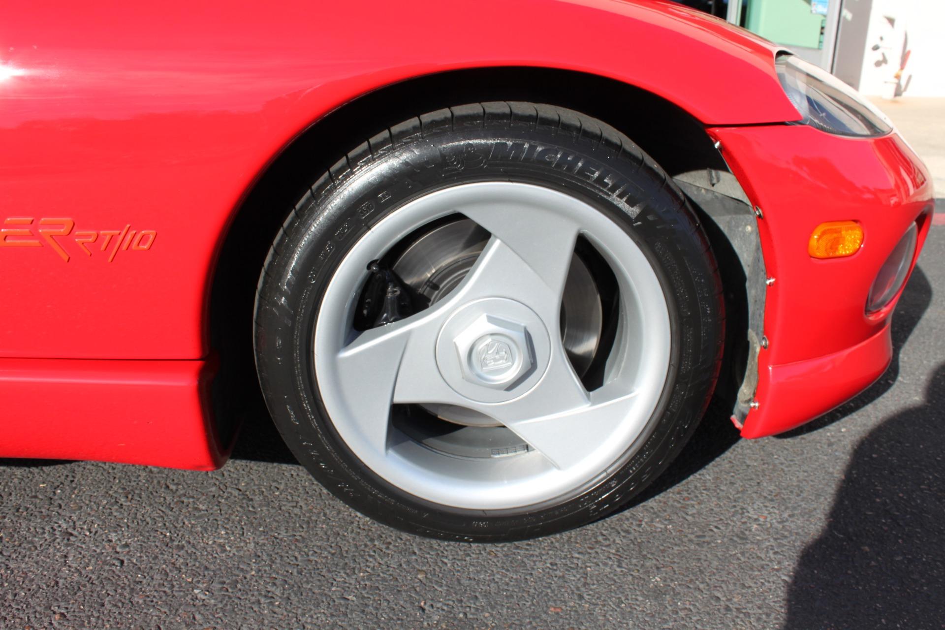Used-1993-Dodge-Viper-Sports-Car-4X4