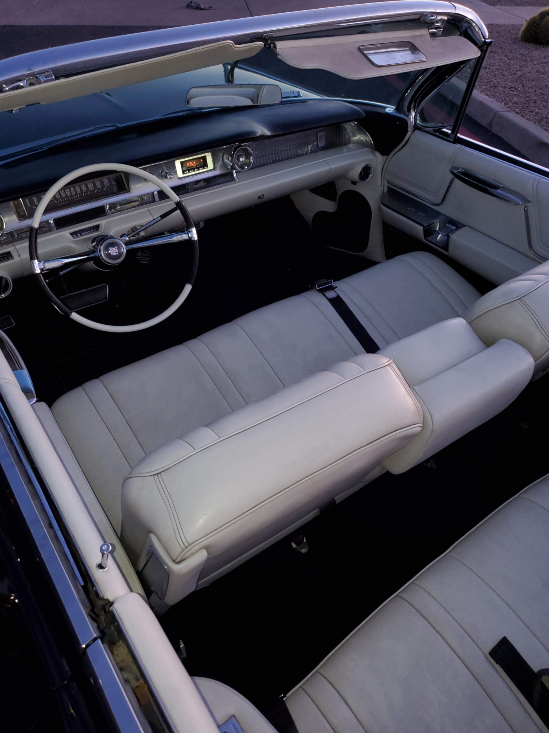Used-1962-Cadillac-Series-62-Convertible-Mopar