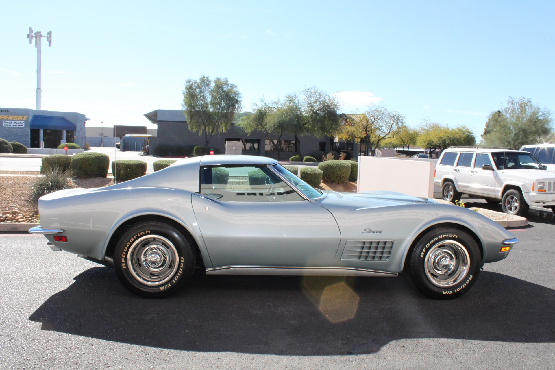Used-1971-Chevrolet-Corvette-454-LS5-Big-Block-Mercedes-Benz
