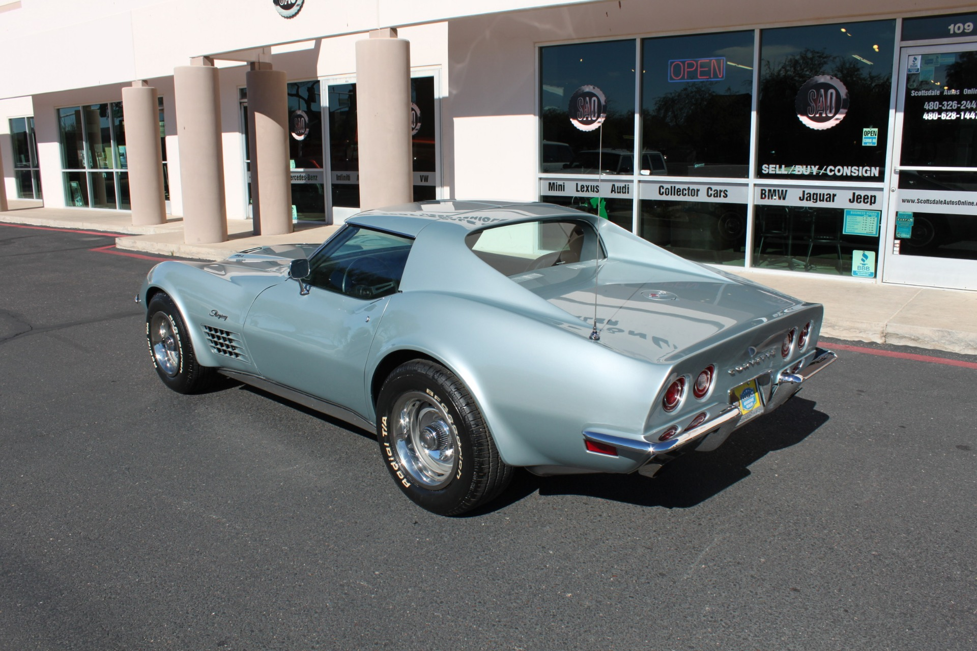 Used-1971-Chevrolet-Corvette-454-LS5-Big-Block-Ferrari