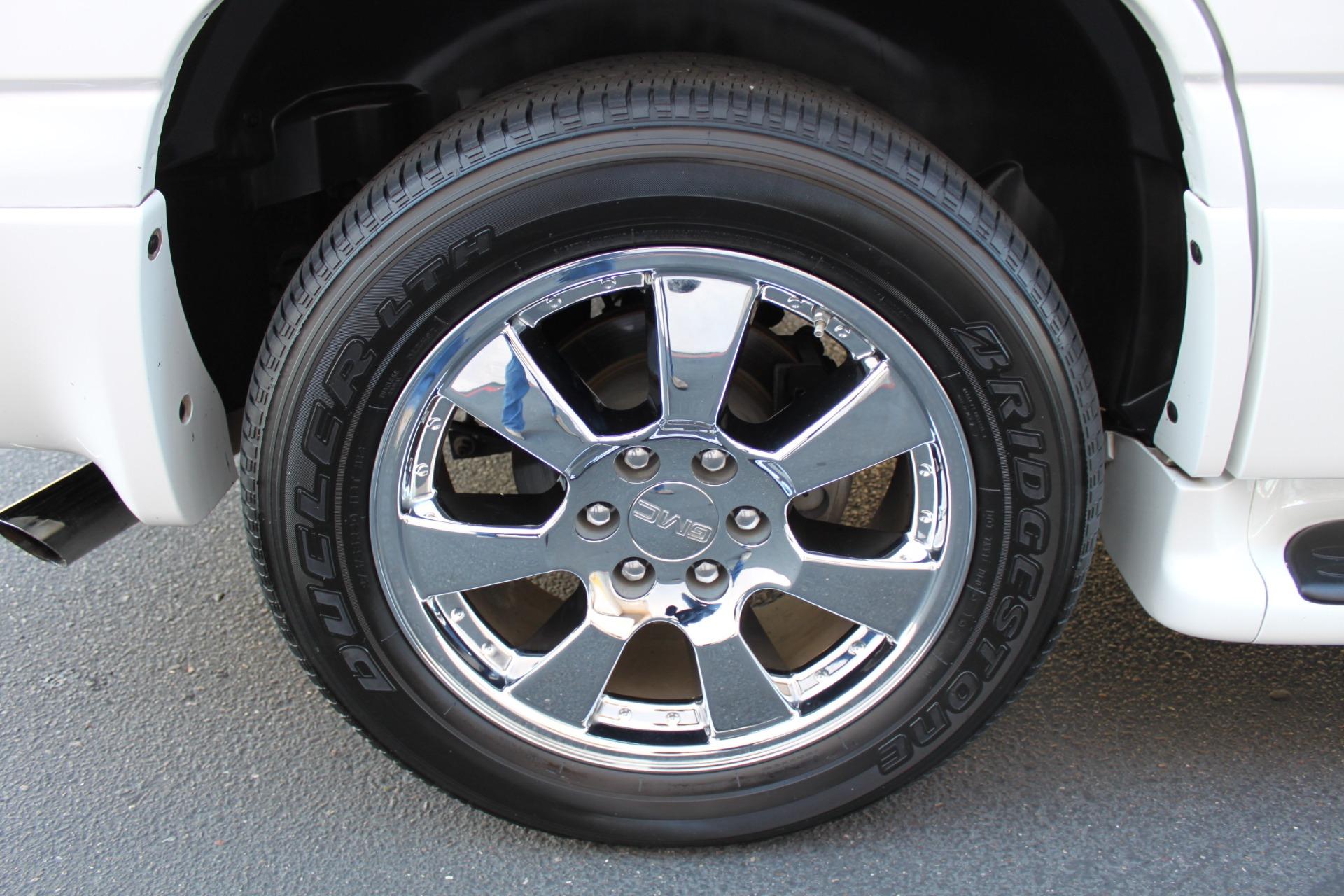 Used-2006-GMC-Yukon-Denali-AWD-Honda