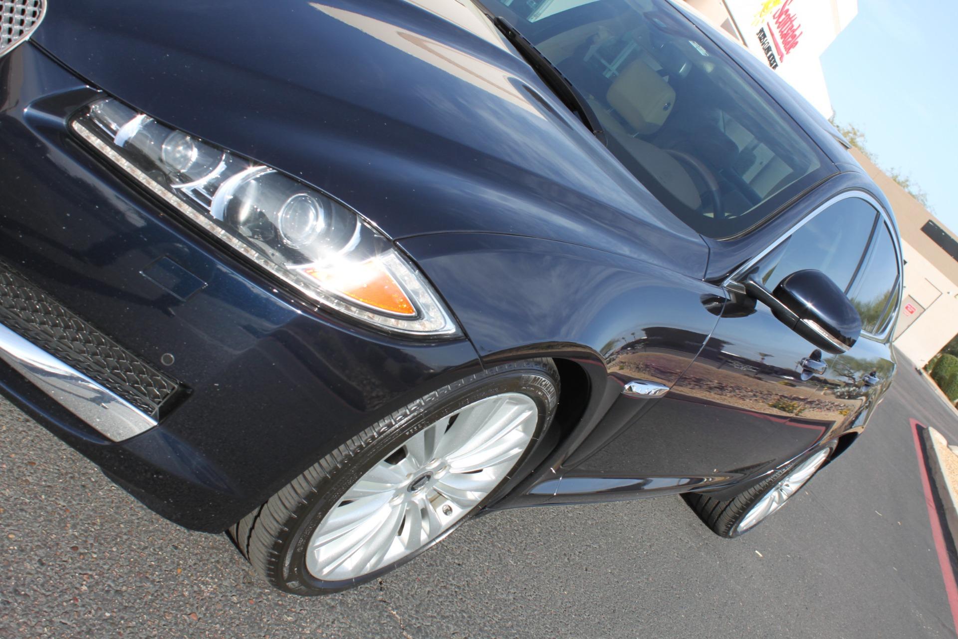 Used-2012-Jaguar-XF-Portfolio-4X4