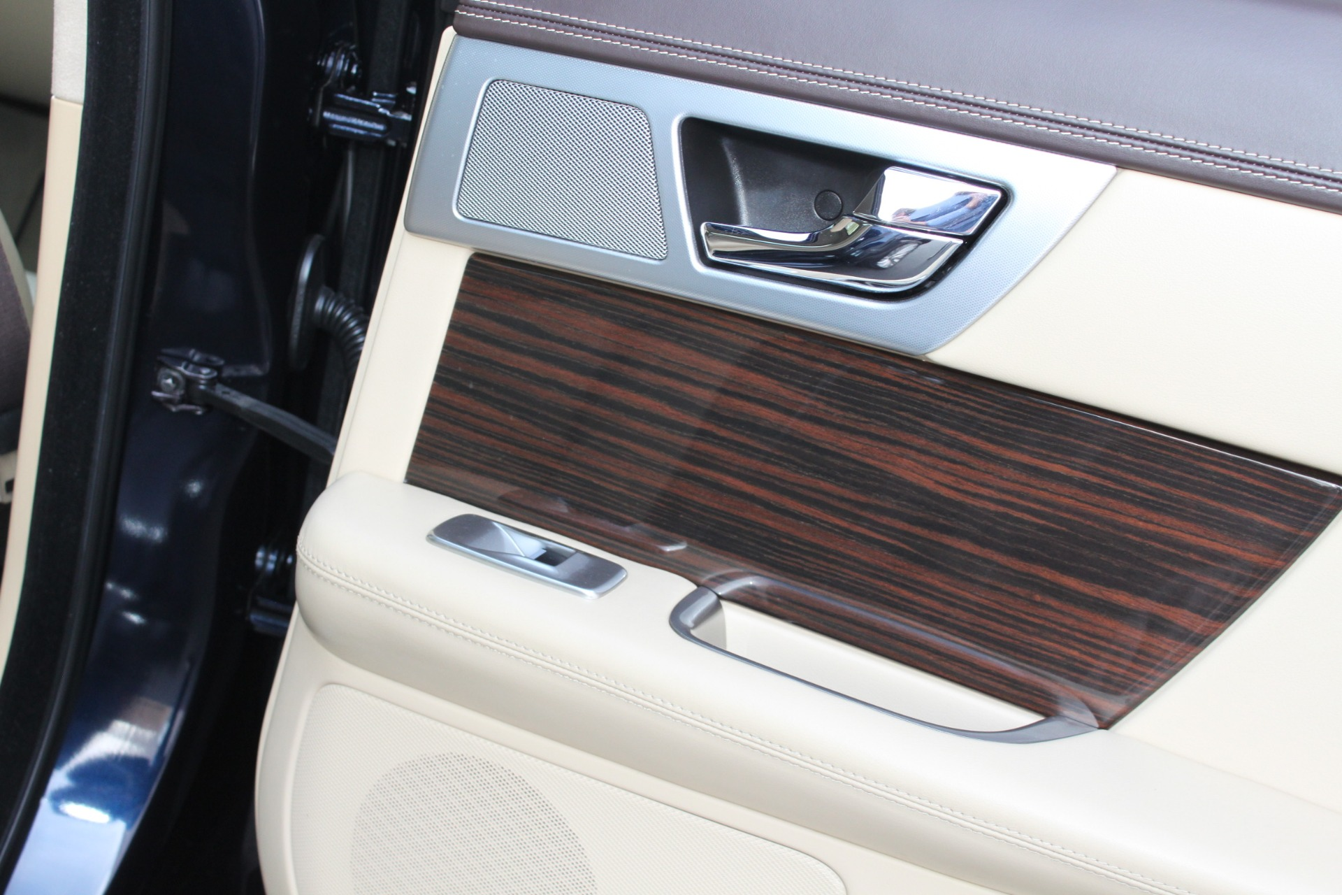 Used-2012-Jaguar-XF-Portfolio-Acura