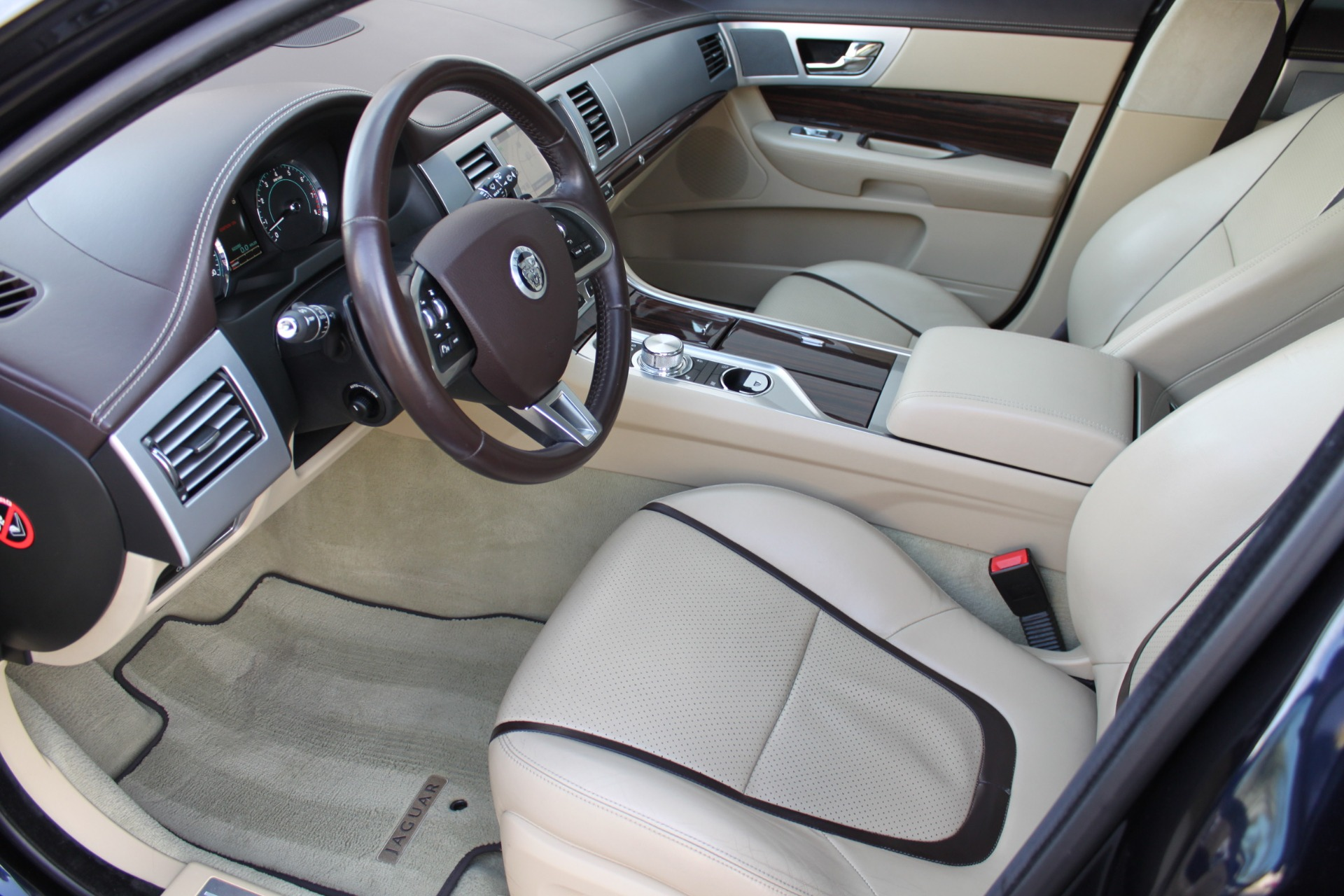 Used-2012-Jaguar-XF-Portfolio-Collector