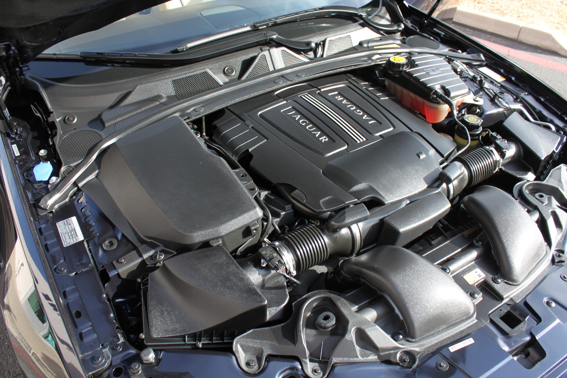 Used-2012-Jaguar-XF-Portfolio-Chalenger