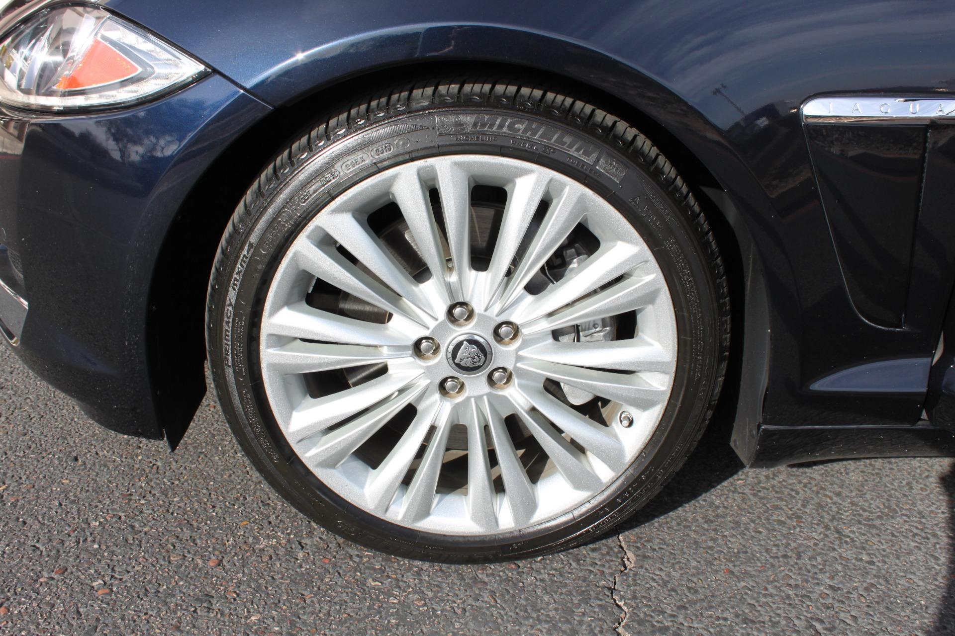 Used-2012-Jaguar-XF-Portfolio-Fiat