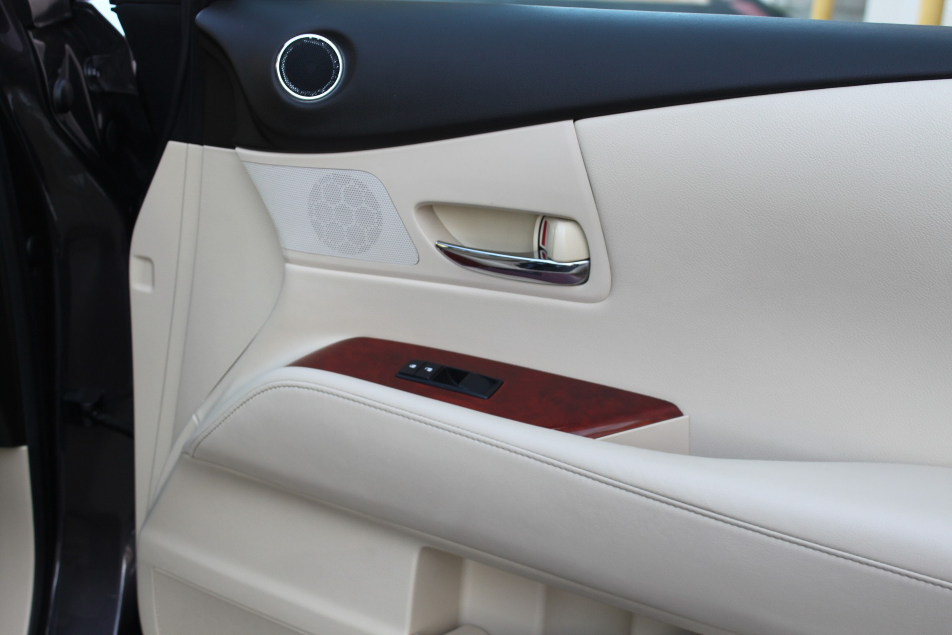 Used-2010-Lexus-RX-350-Chrysler