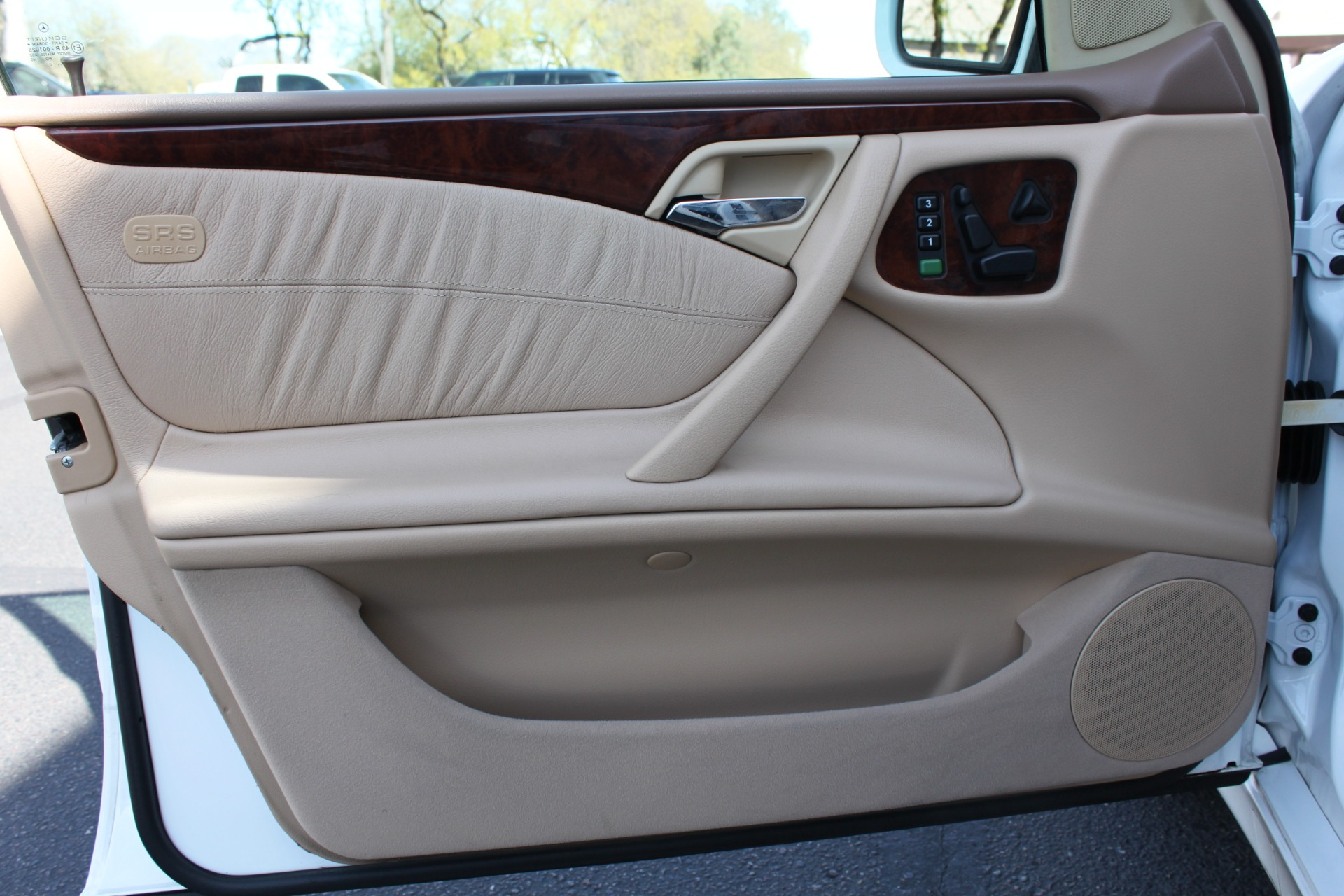 Used-2000-Mercedes-Benz-E-Class-E-320-Tesla