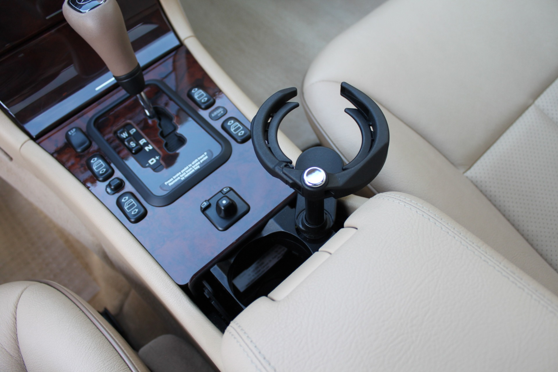 Used-2000-Mercedes-Benz-E-Class-Collector