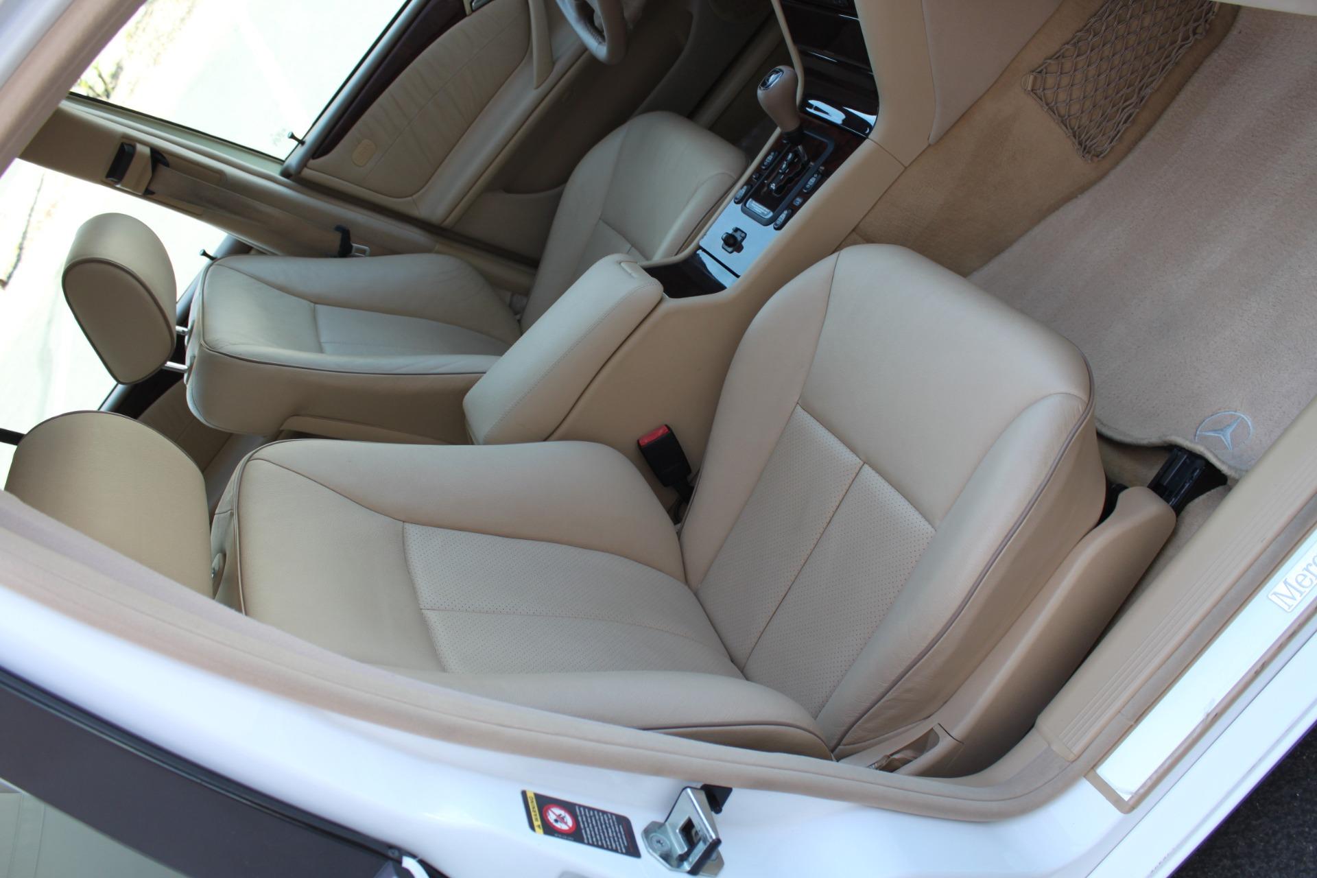Used-2000-Mercedes-Benz-E-Class-Wagon-Grand-Cherokee