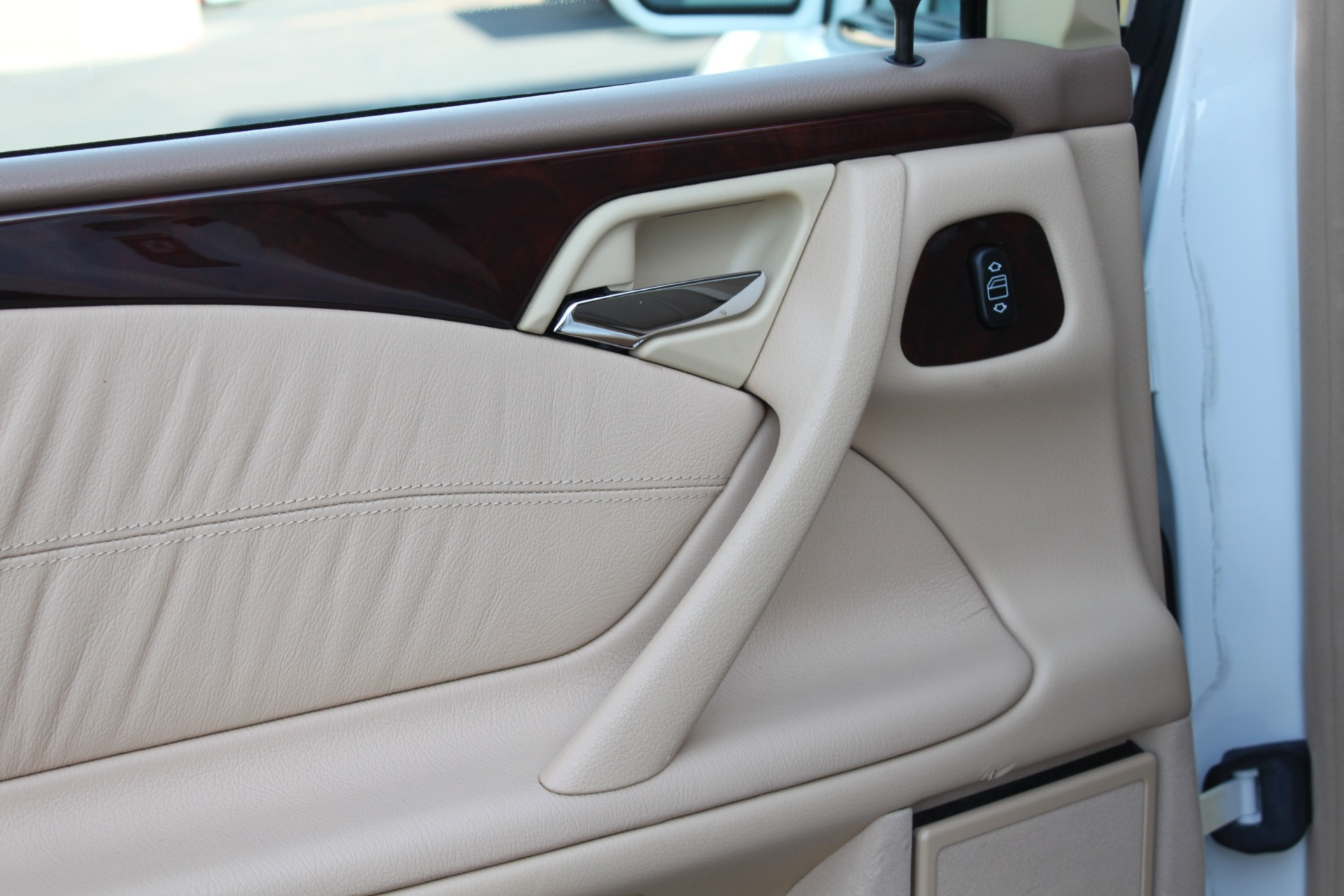 Used-2000-Mercedes-Benz-E-Class-E-320-Audi