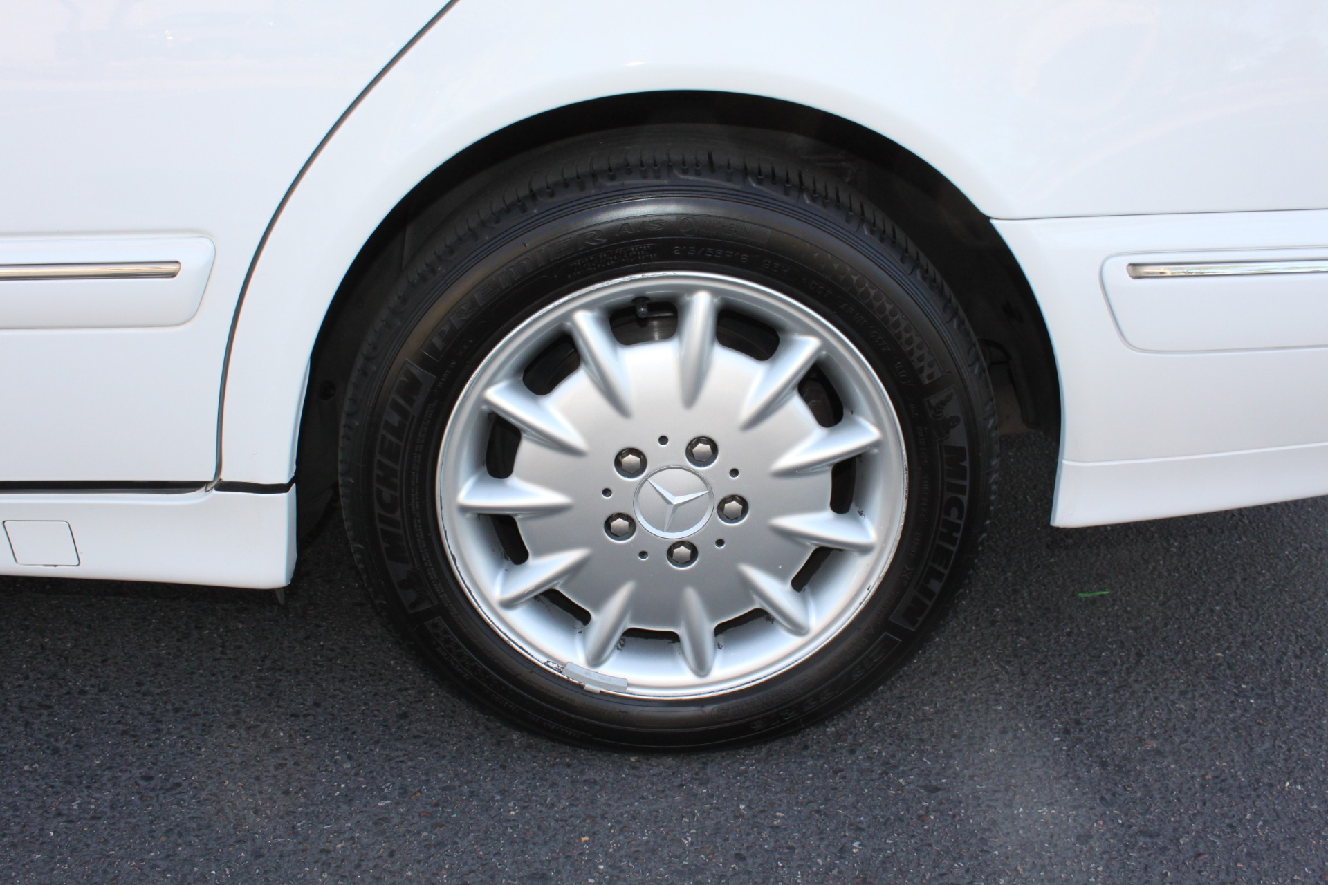 Used-2000-Mercedes-Benz-E-Class-Wagon-XJ