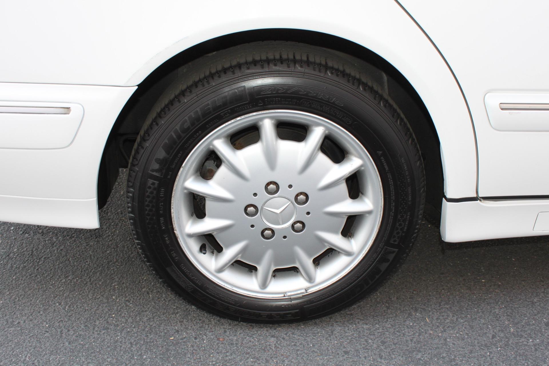 Used-2000-Mercedes-Benz-E-Class-E-320-Lamborghini