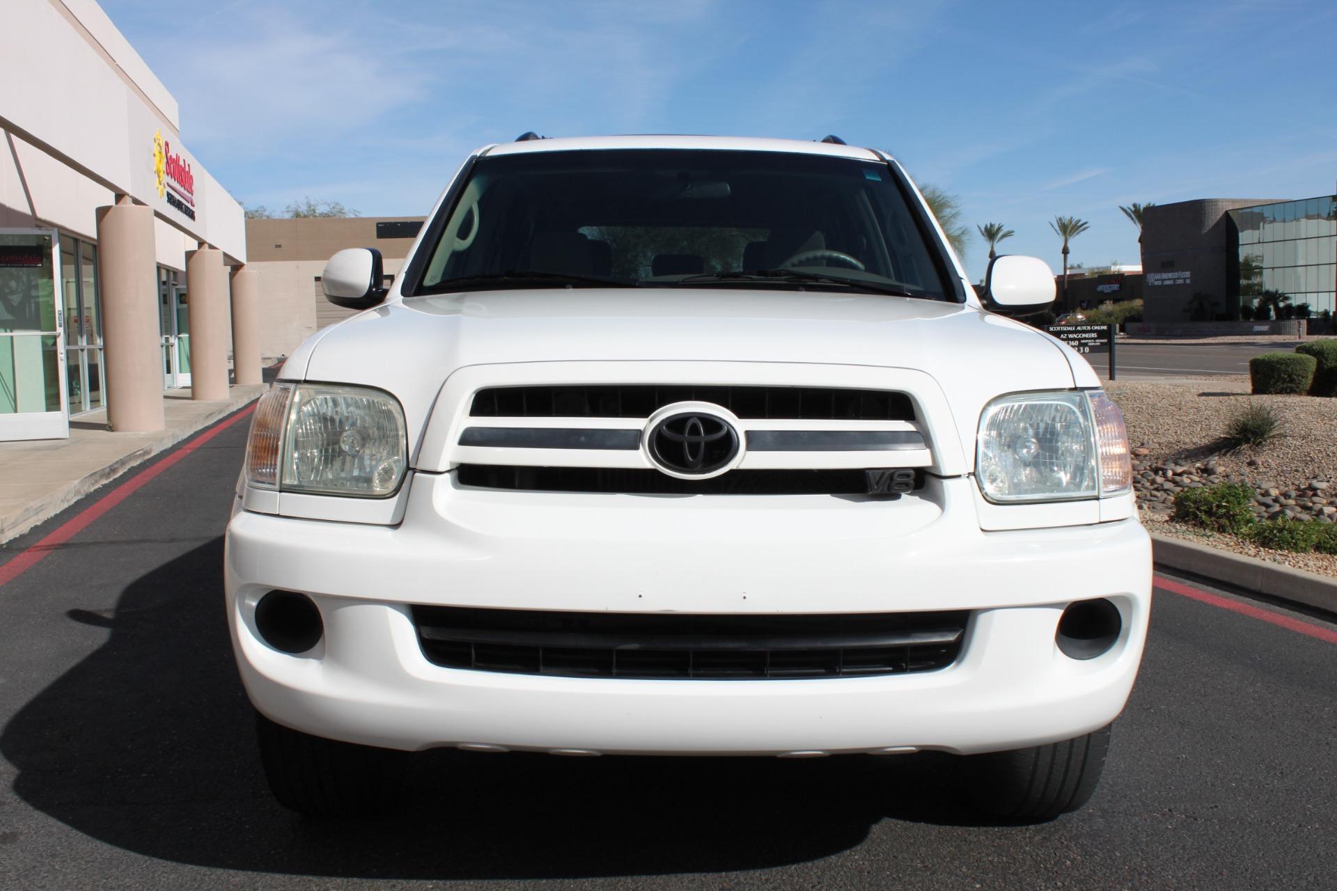 Used-2005-Toyota-Sequoia-SR5-Wrangler
