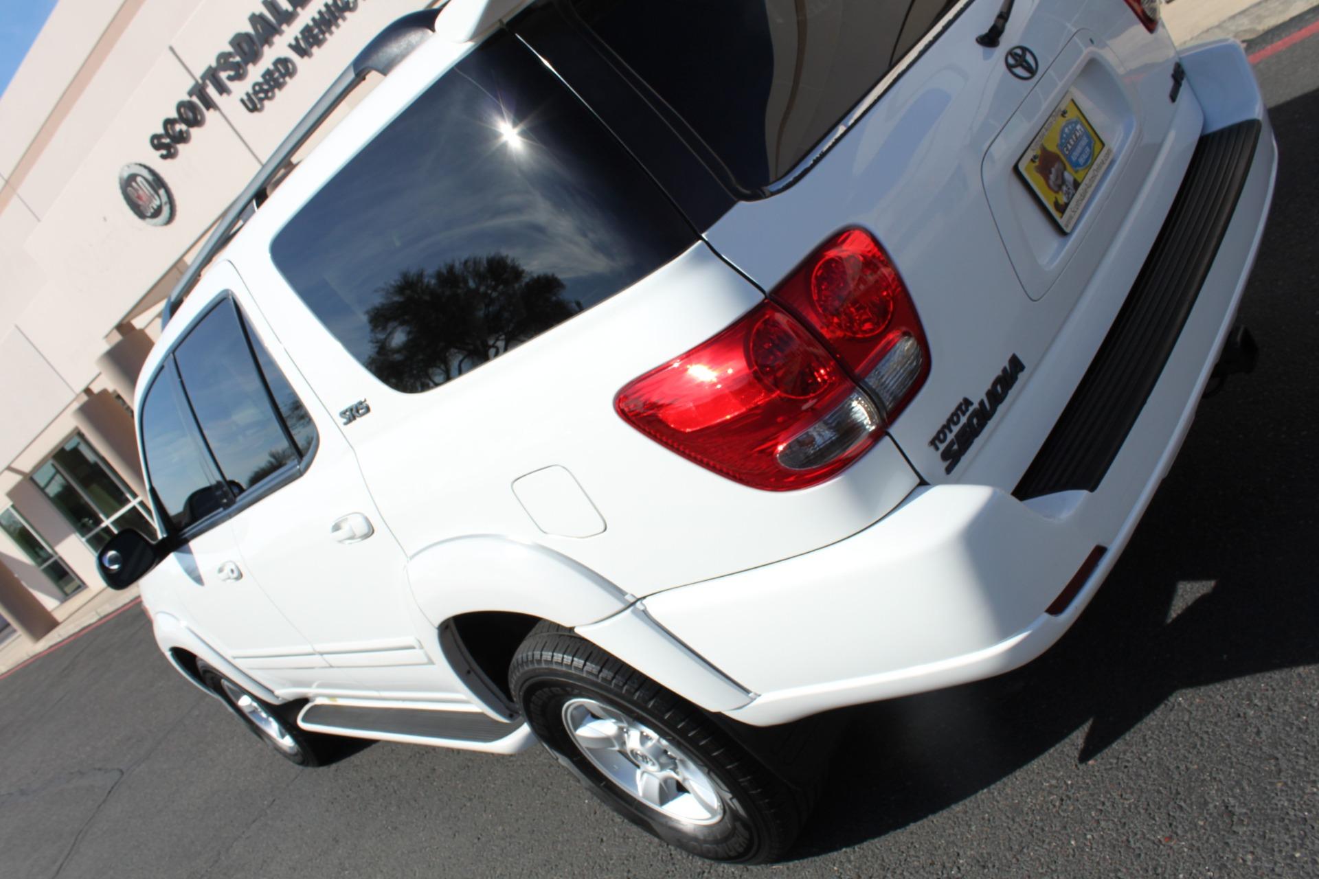 Used-2005-Toyota-Sequoia-SR5-4X4