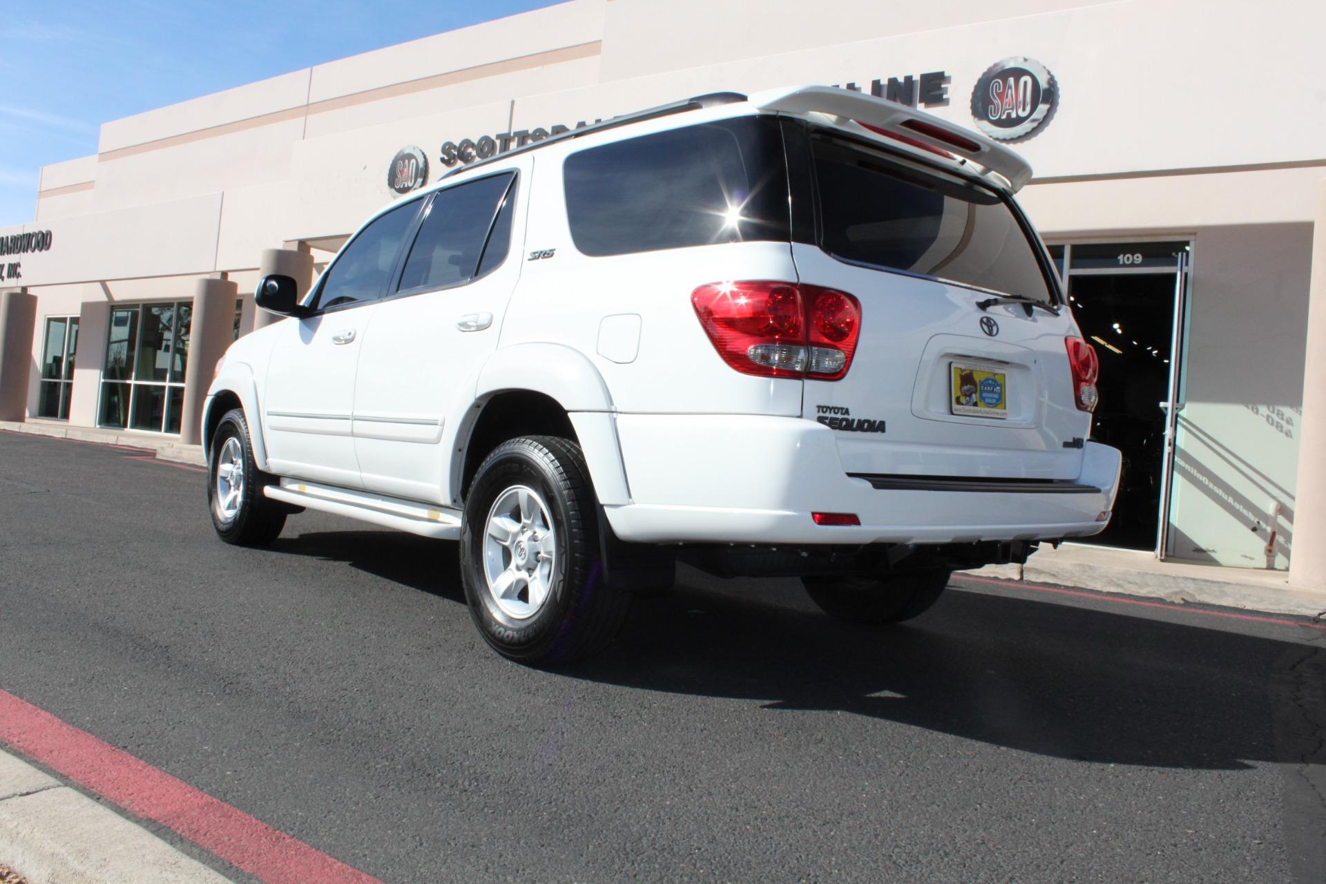 Used-2005-Toyota-Sequoia-SR5-LS400