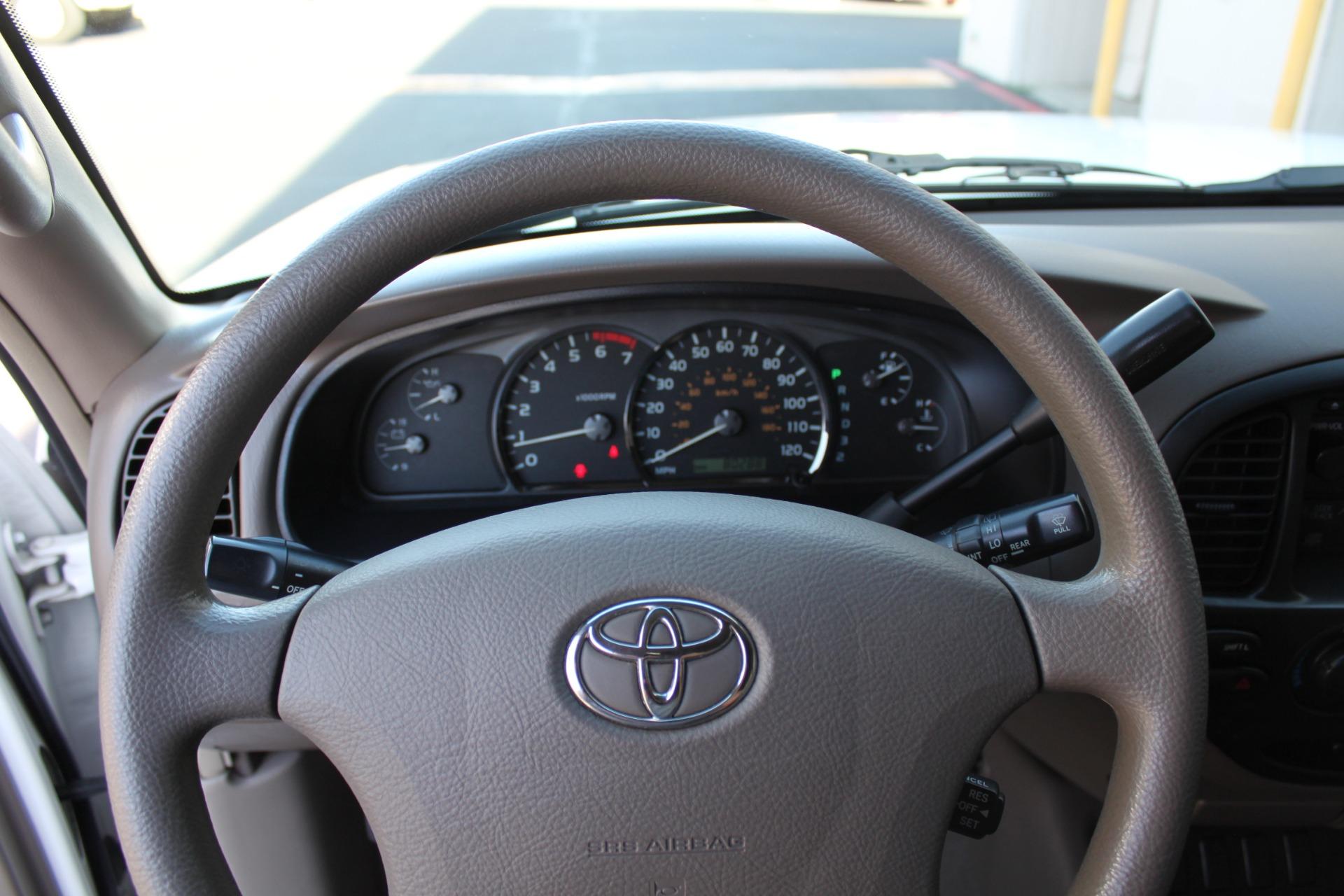 Used-2005-Toyota-Sequoia-SR5-Lincoln