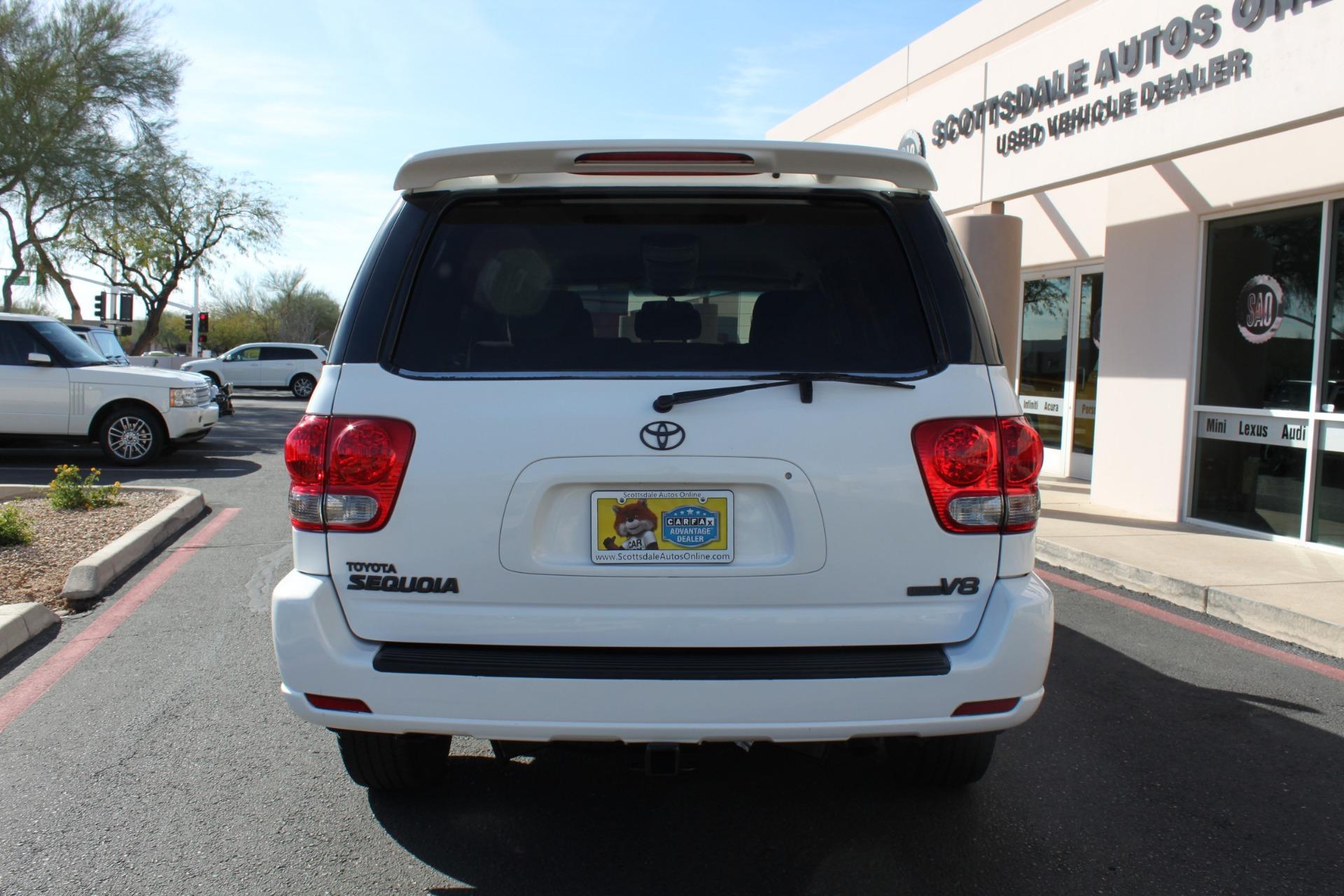 Used-2005-Toyota-Sequoia-SR5-Mopar