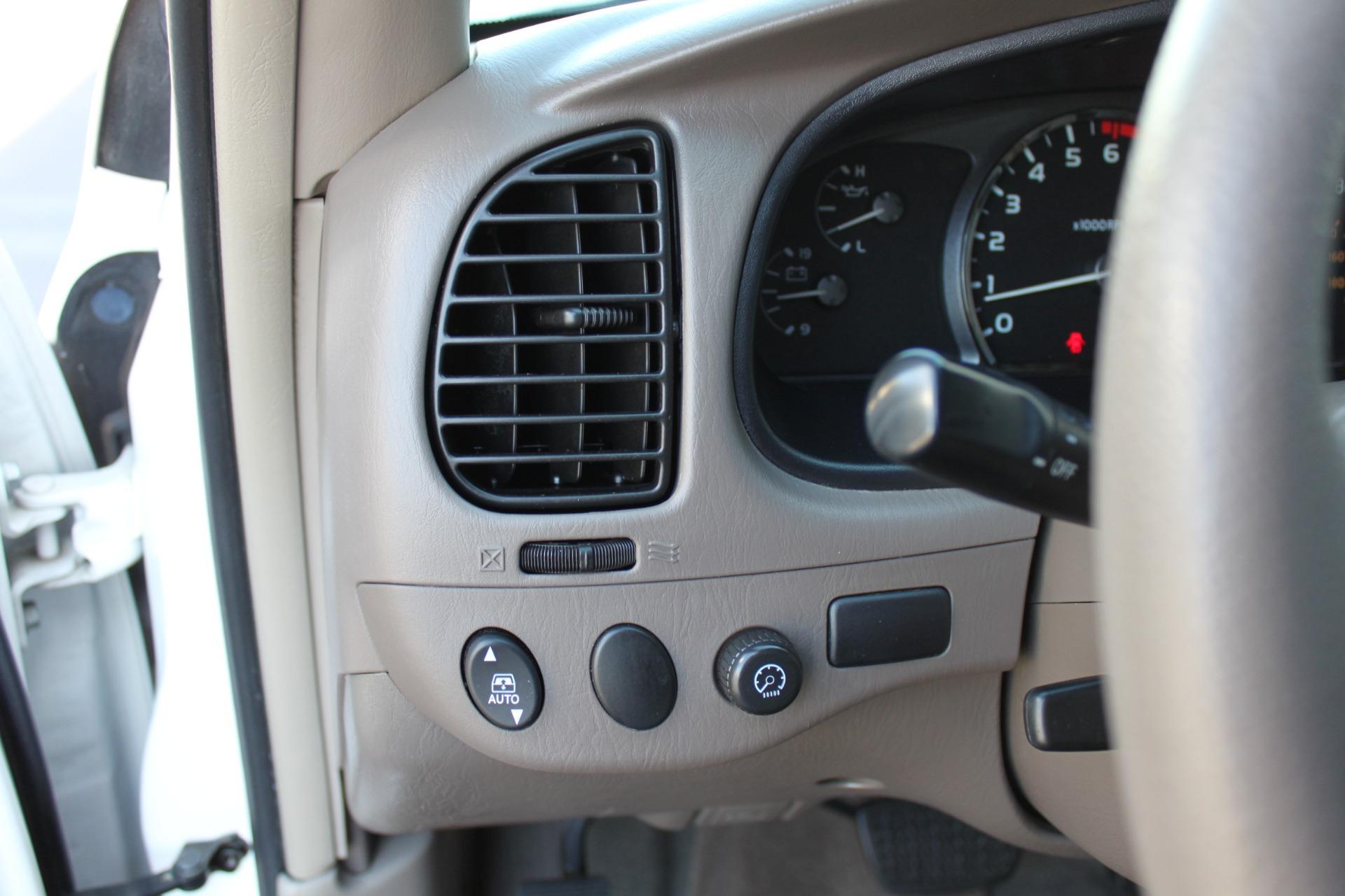 Used-2005-Toyota-Sequoia-SR5-Grand-Wagoneer