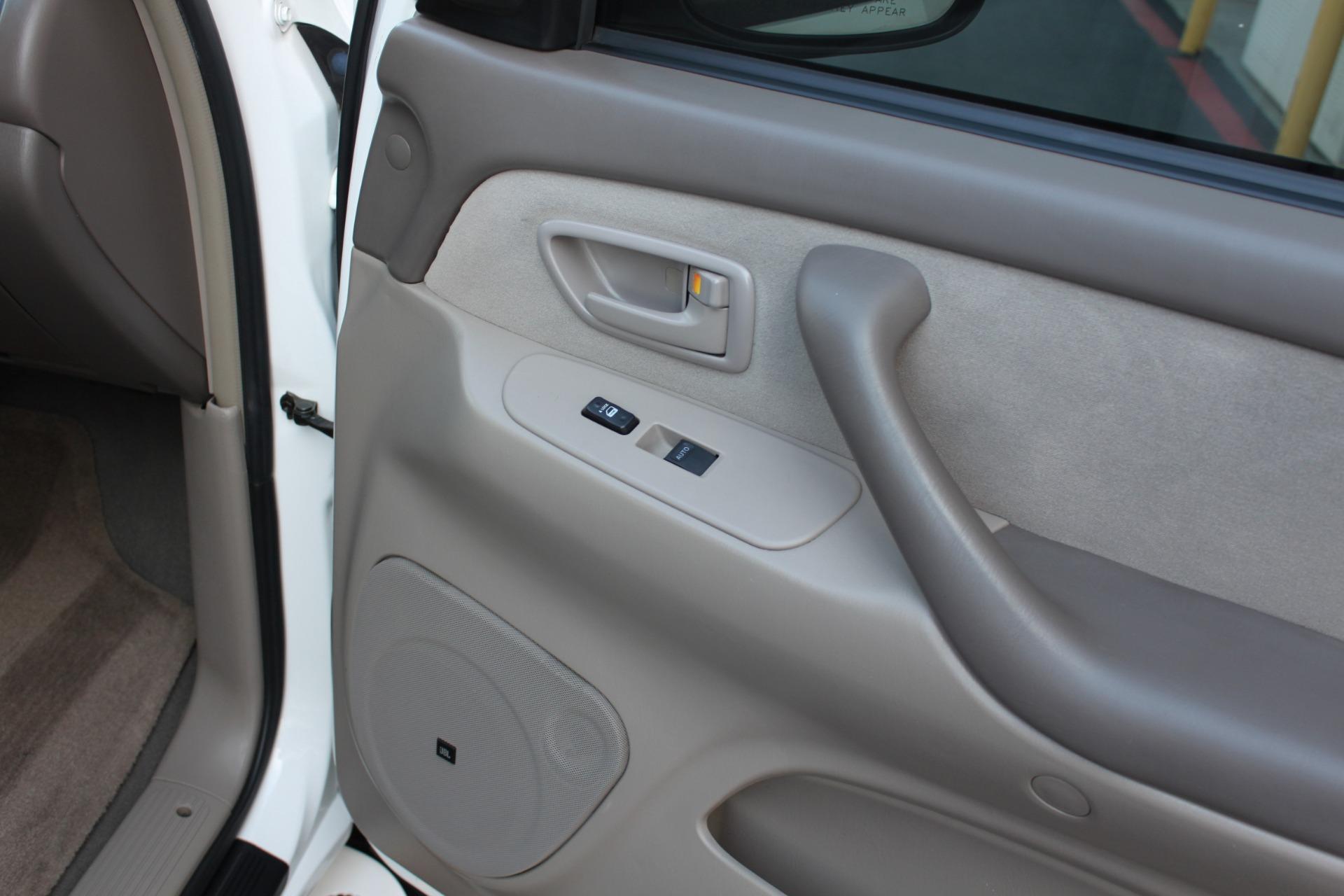 Used-2005-Toyota-Sequoia-SR5-Chrysler