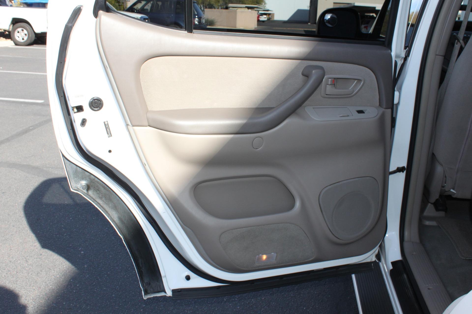 Used-2005-Toyota-Sequoia-SR5-Cherokee
