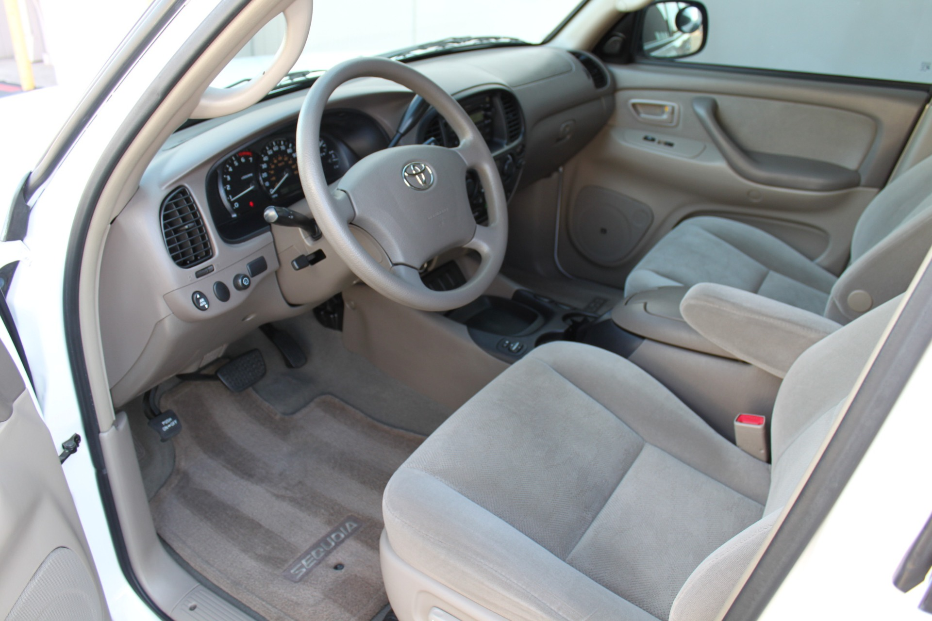 Used-2005-Toyota-Sequoia-SR5-Collector