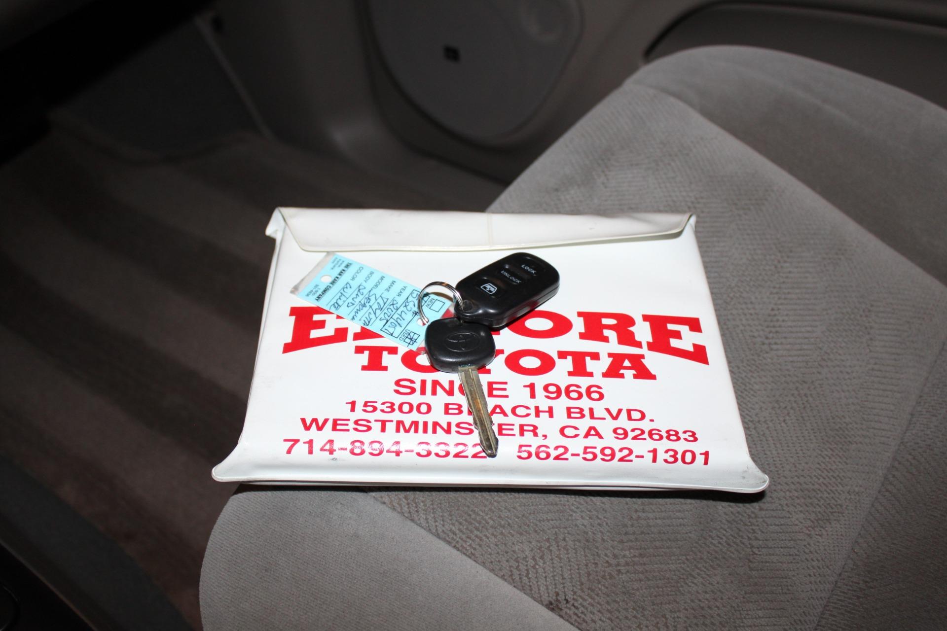 Used-2005-Toyota-Sequoia-SR5-Dodge