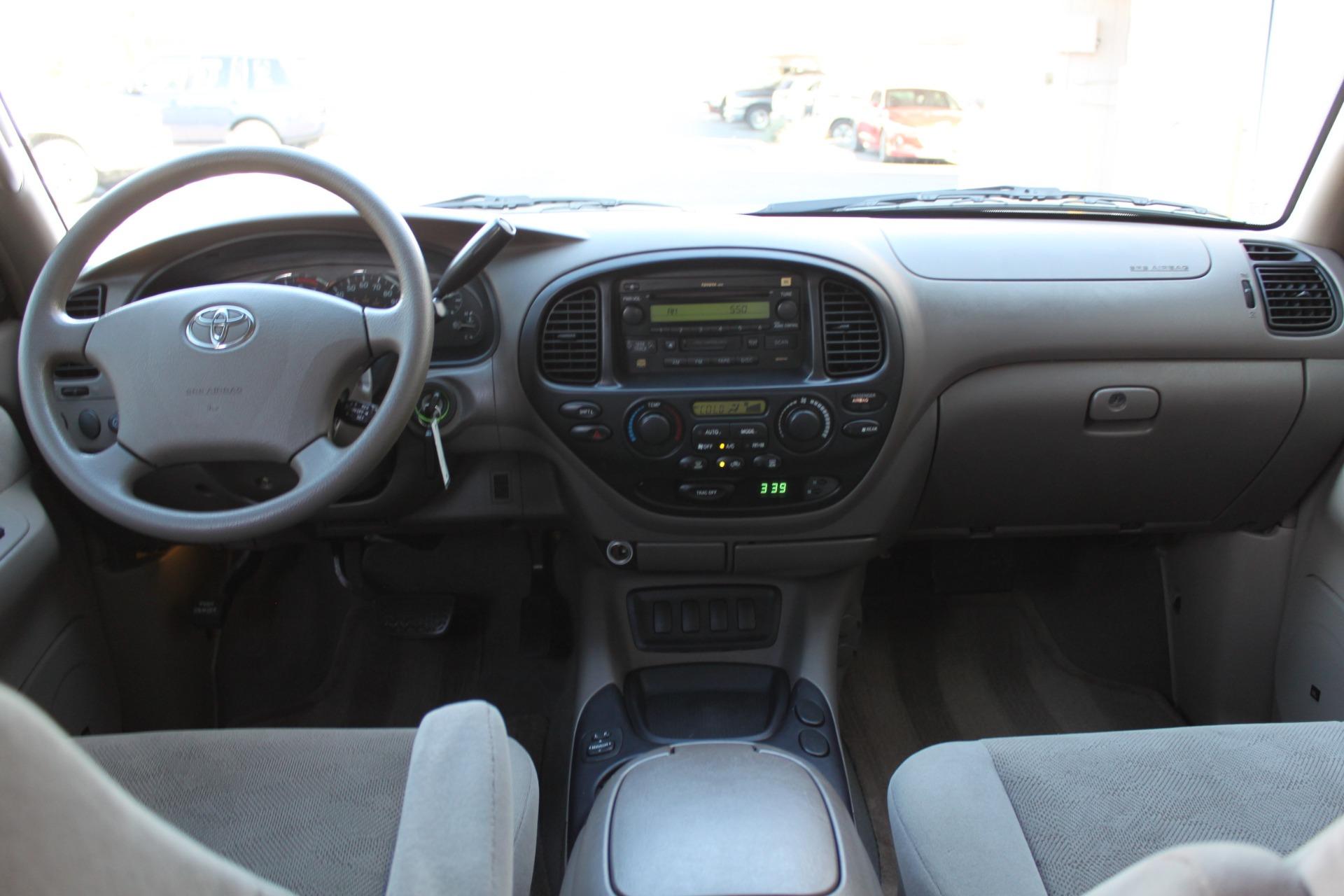Used-2005-Toyota-Sequoia-SR5-vintage