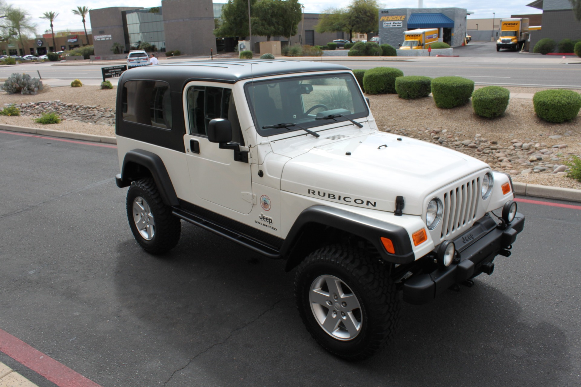 Used-2006-Jeep-Wrangler-Unlimited-Rubicon-LWB-Fiat