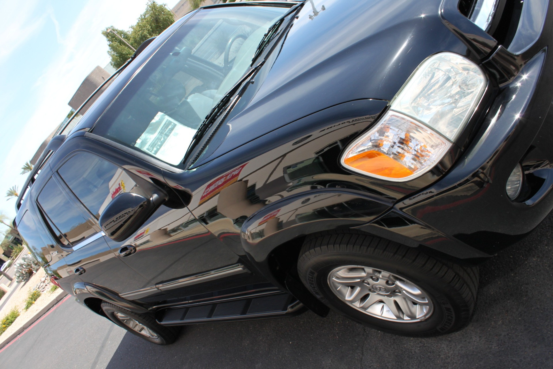Used-2005-Toyota-Sequoia-Limited-Grand-Cherokee