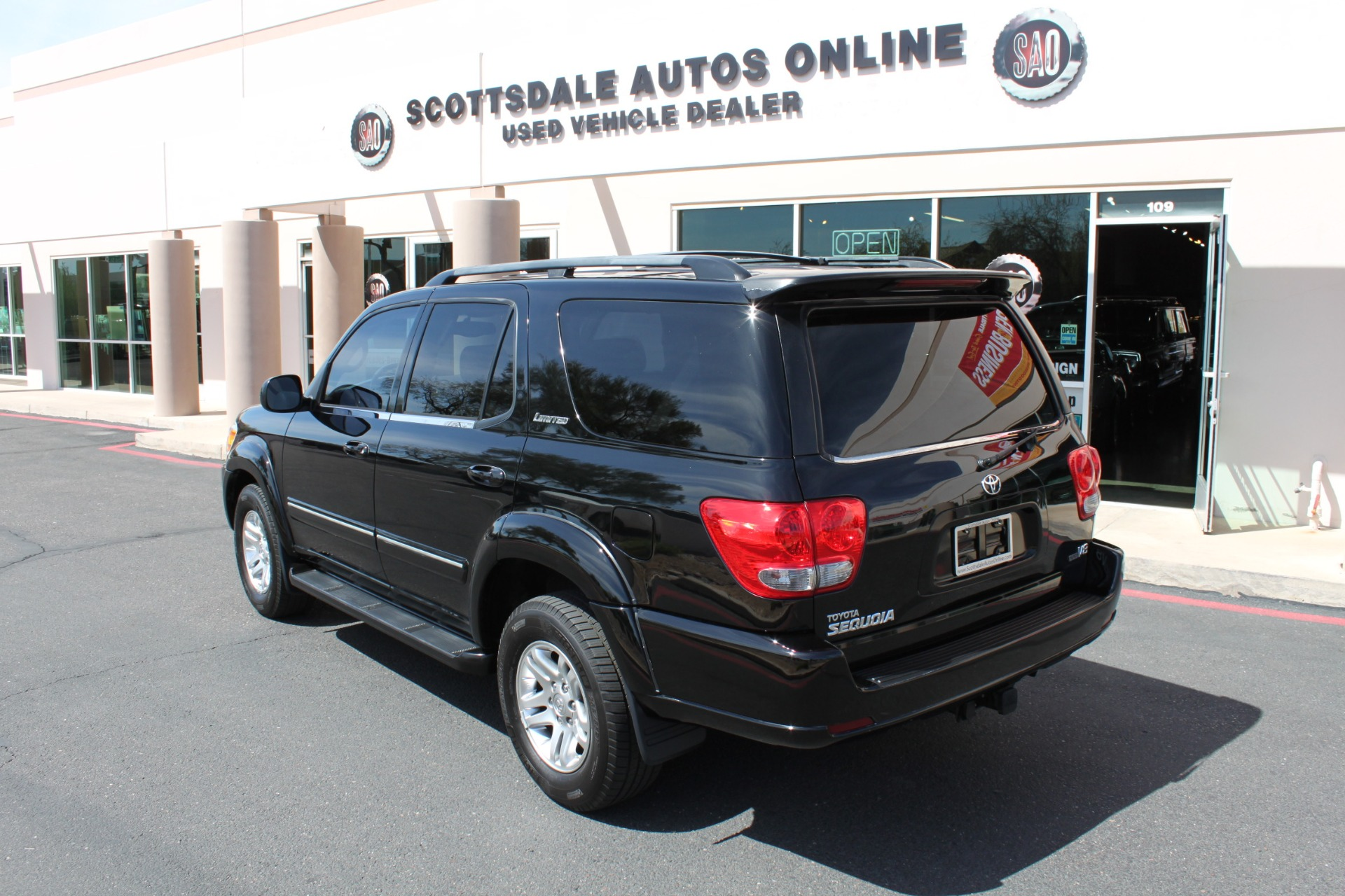 Used-2005-Toyota-Sequoia-Limited-Fiat