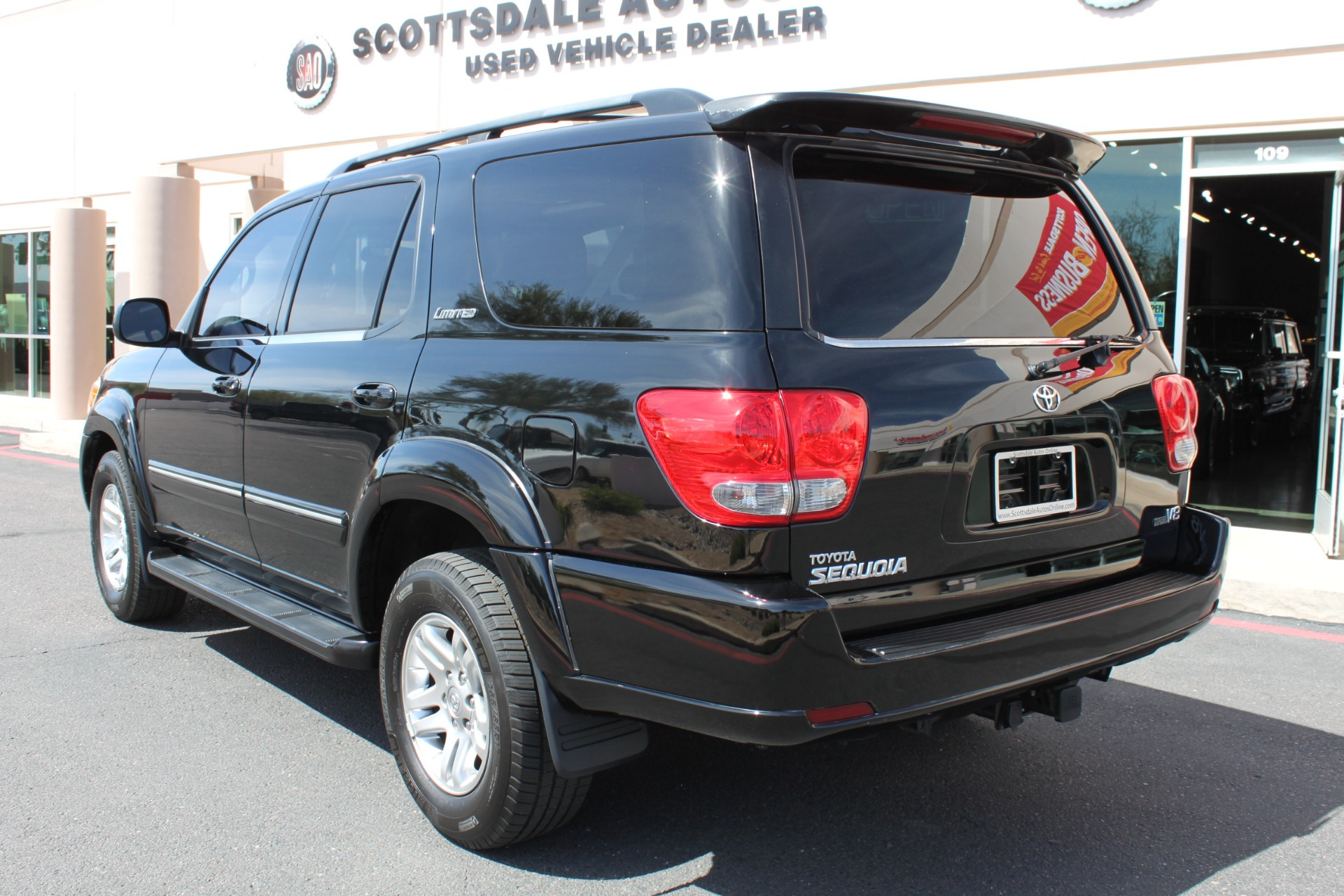 Used-2005-Toyota-Sequoia-Limited-Grand-Wagoneer