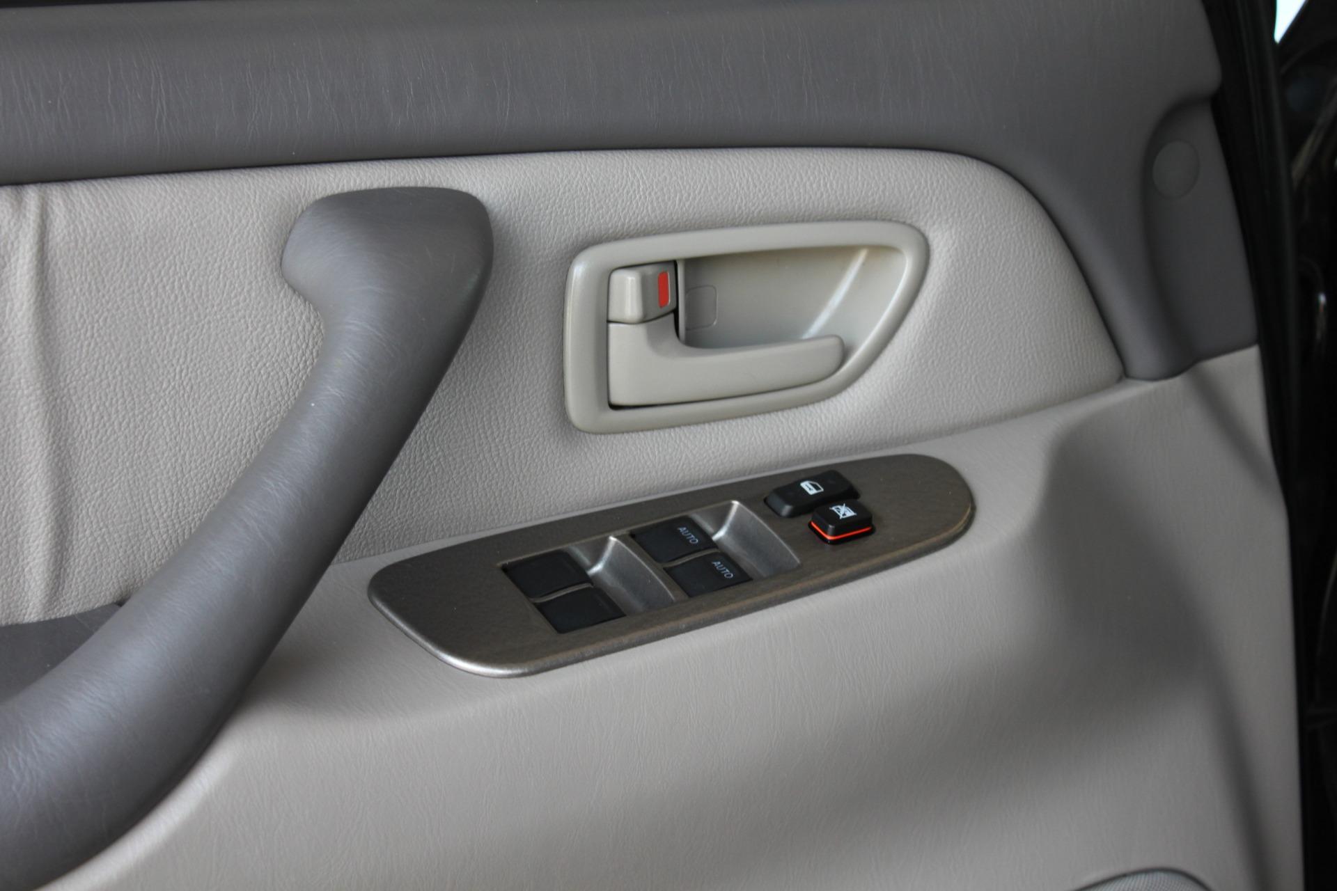 Used-2005-Toyota-Sequoia-Limited-Lamborghini